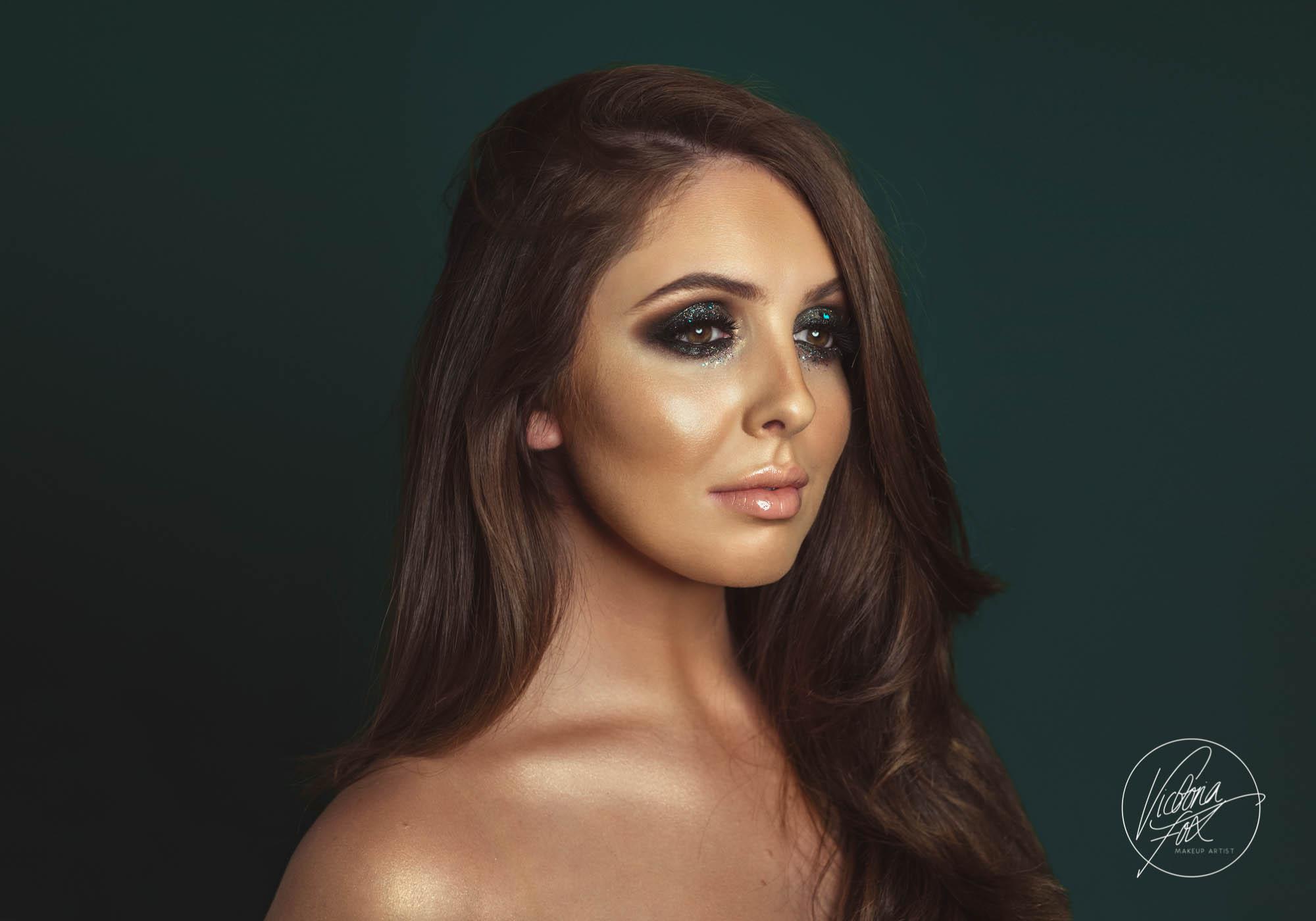 Victoria Fox - One to one makeup tutorials