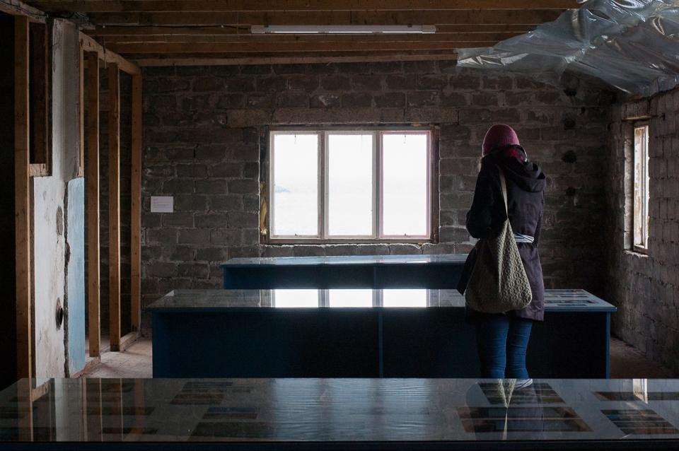 Michala Paludans installasjon Midnight Safari (2017) på Fredriksbruket. Foto: Hilde Sørstrøm