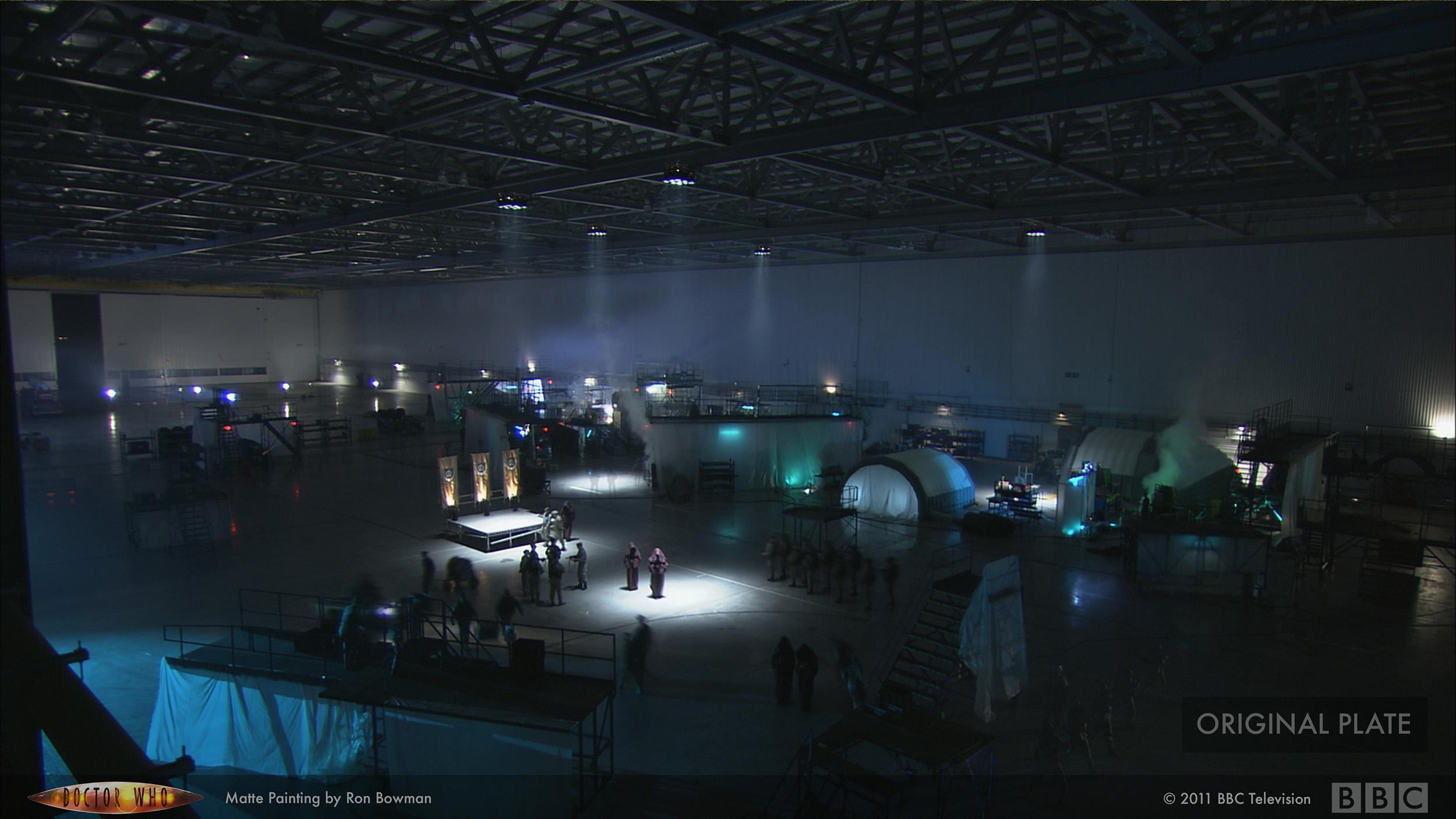 drwho_hangar02_plate.jpg