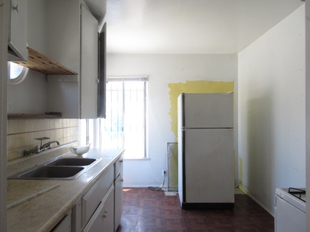 Kitchen-Before.jpg