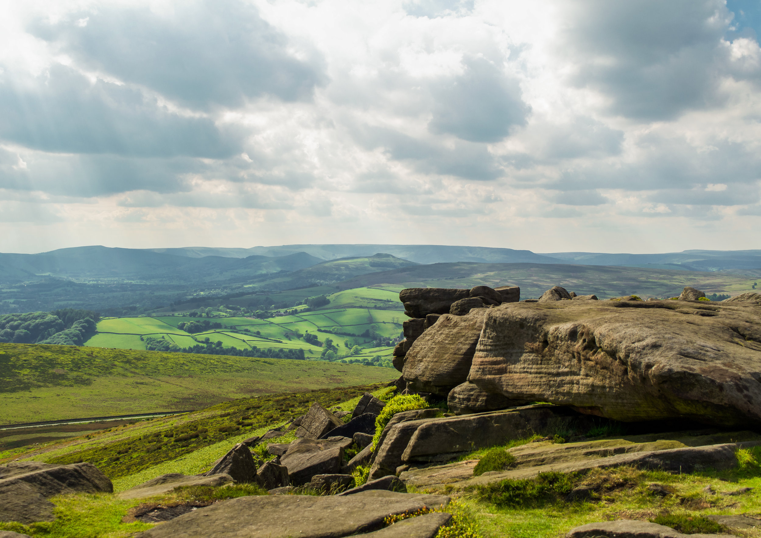 STANAGE EDGE TOWARDS HOPE VALLEY