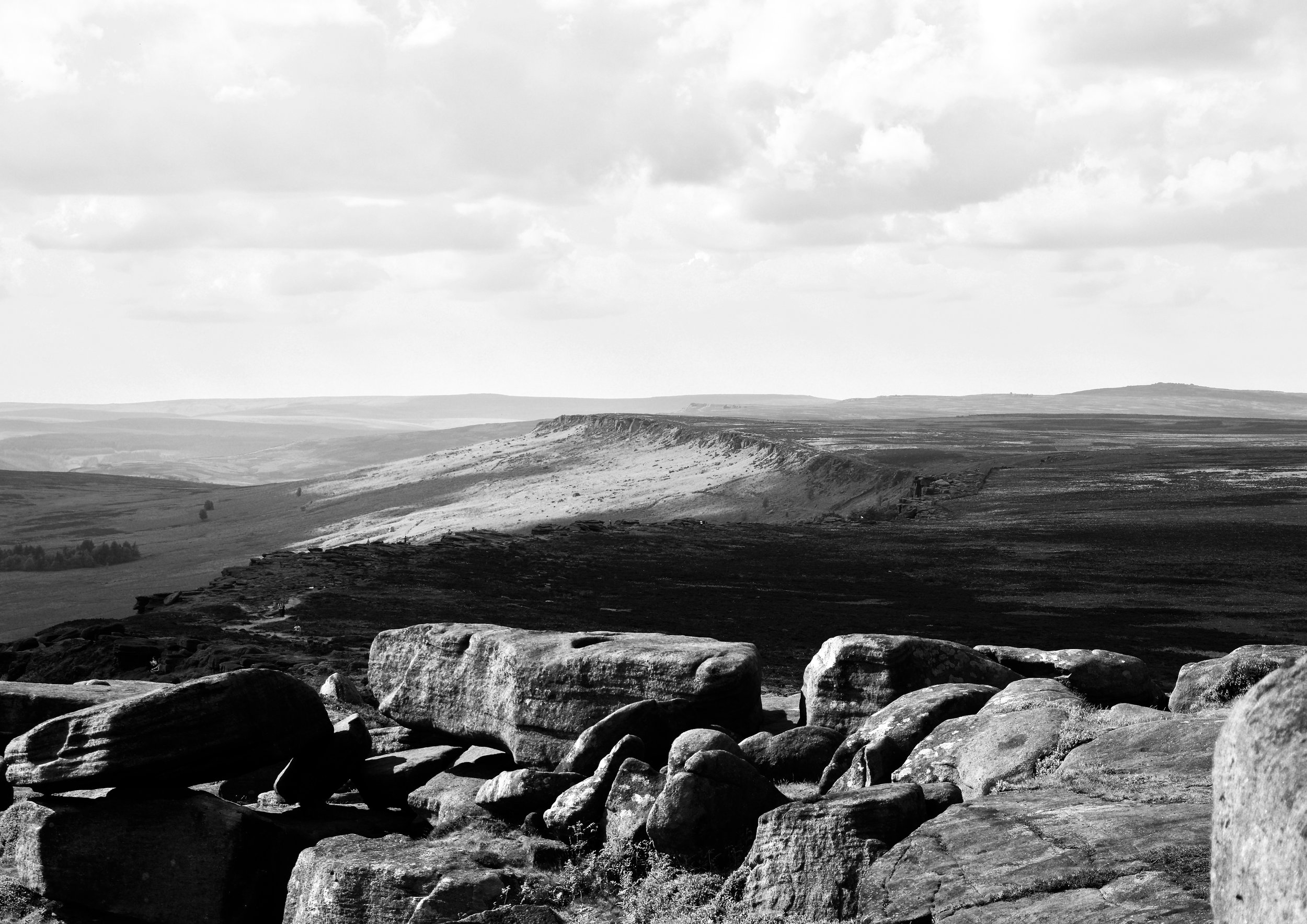 STANAGE EDGE IN BLACK AND WHITE