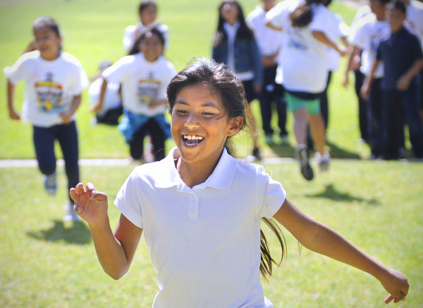 Commitment to youth fitness and education top priority over thirty-five year history - Visit Stu News Newport to learn about running programs in NMUSD to train students for Spirit Run, including Spirit Run's Youth Running Training and Scholarship Program.