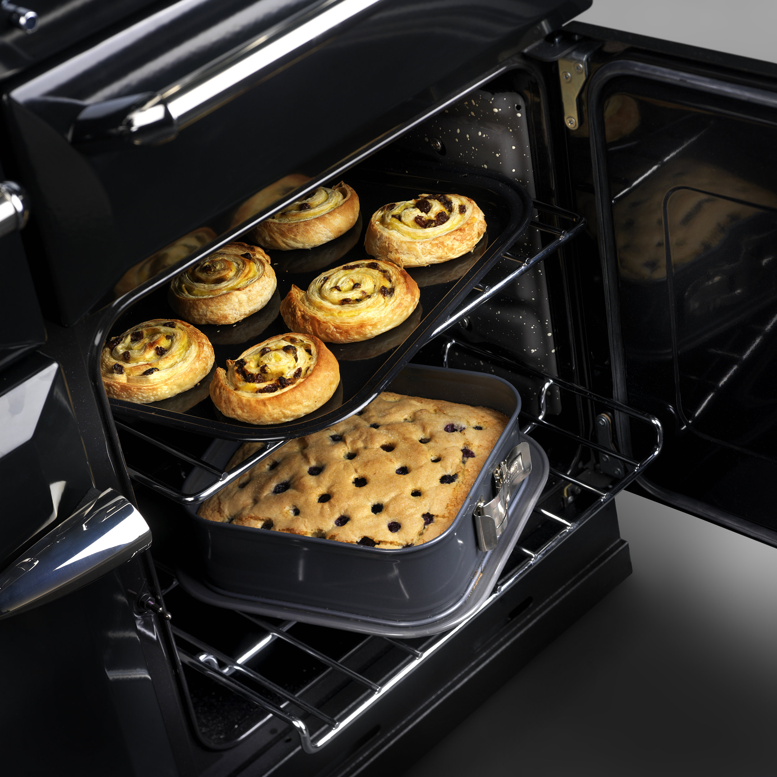 AGA_Masterchef 110_BLACK_Blueberry_Pastry.jpg