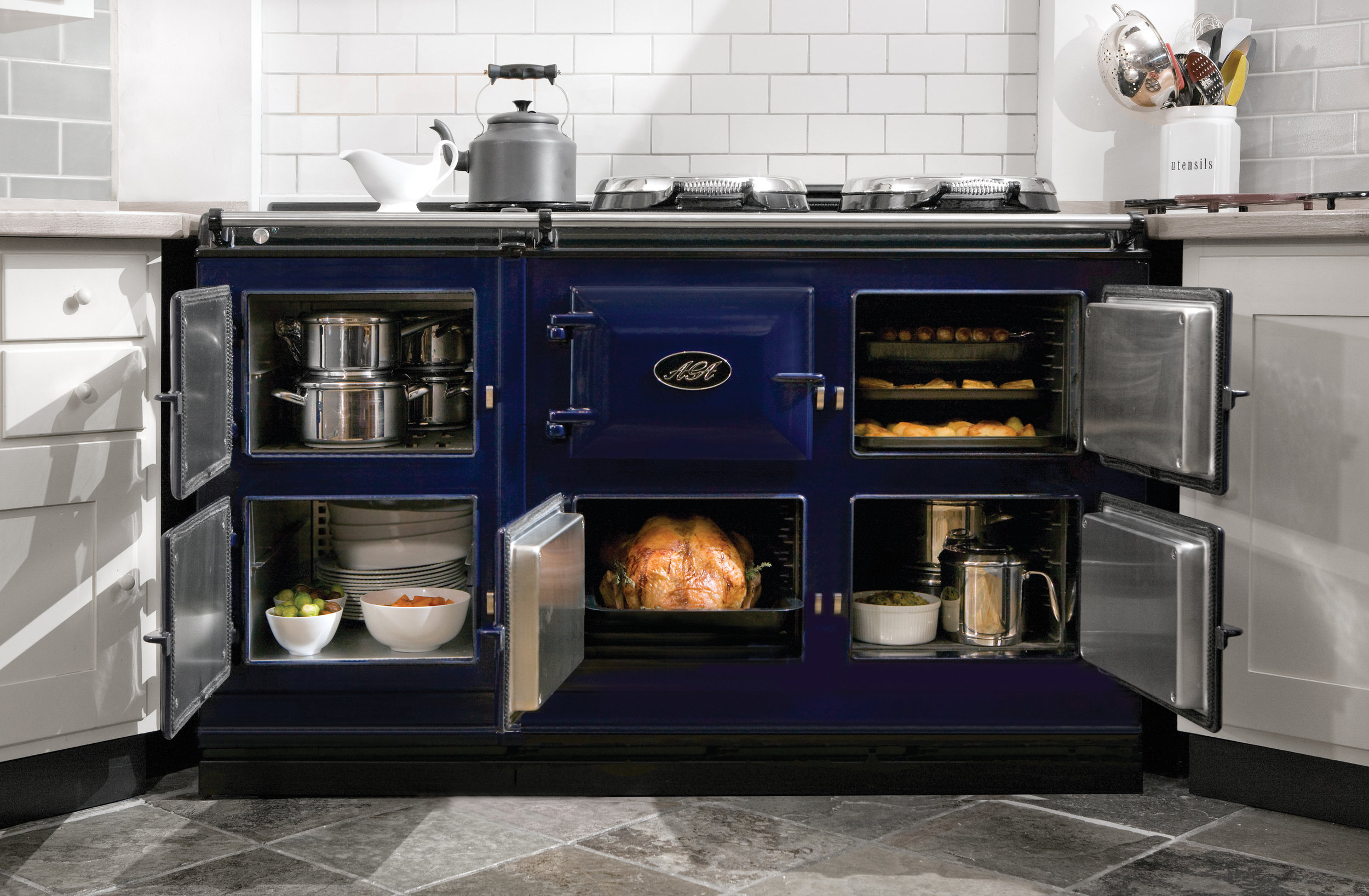 One to one demonstration - Interested in a New AGA?…..But want to know more about the models available first.Then why not book a One to One Demonstration with our showroom Manager. This is the perfect opportunity to see the AGA's in action, and all the amazing benefits to having and AGA in you home, before you buy.Contact Our Showroom Manager to book your One to One Demonstration to day.