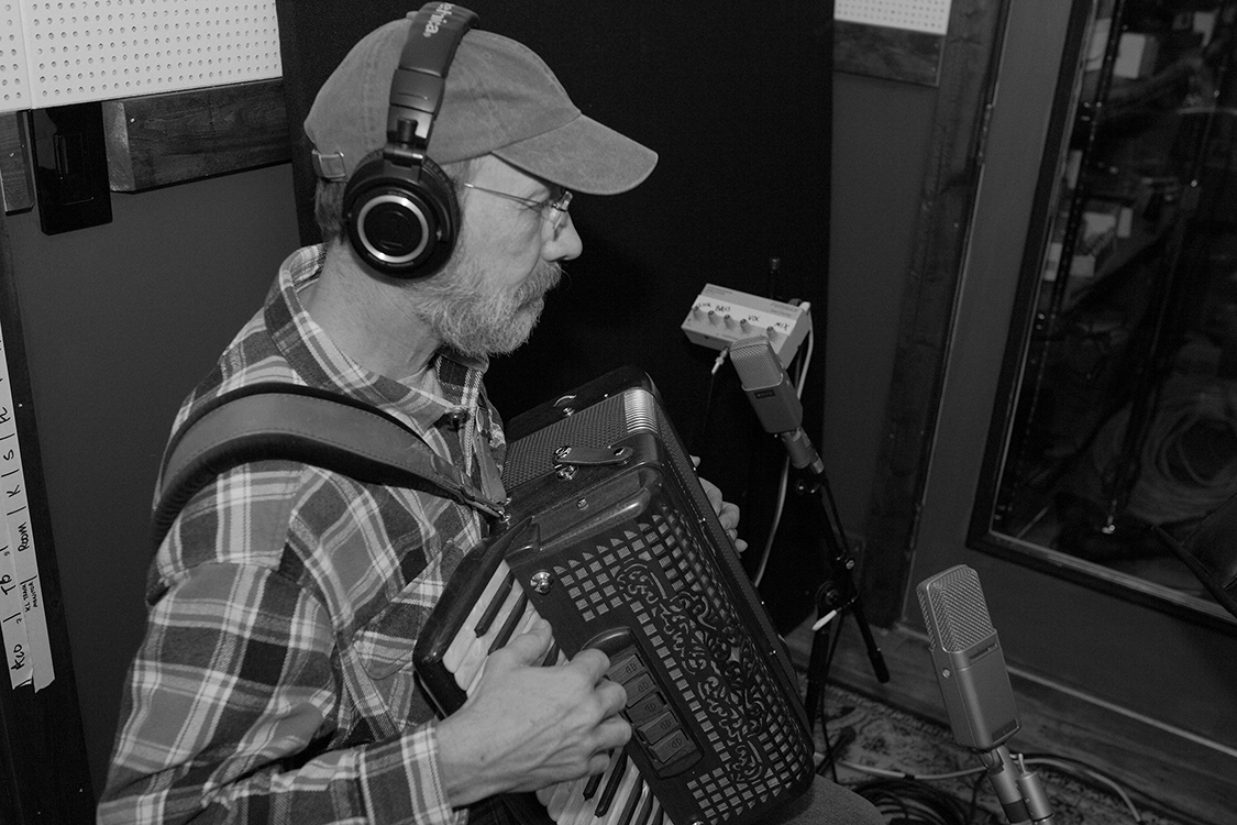 Multi-instrumentalist Jeff Taylor laying down some accordion tracks on David Willersdorf's 'Fire This Love' in East Nashville. [Photo Credit: Price Harrison]