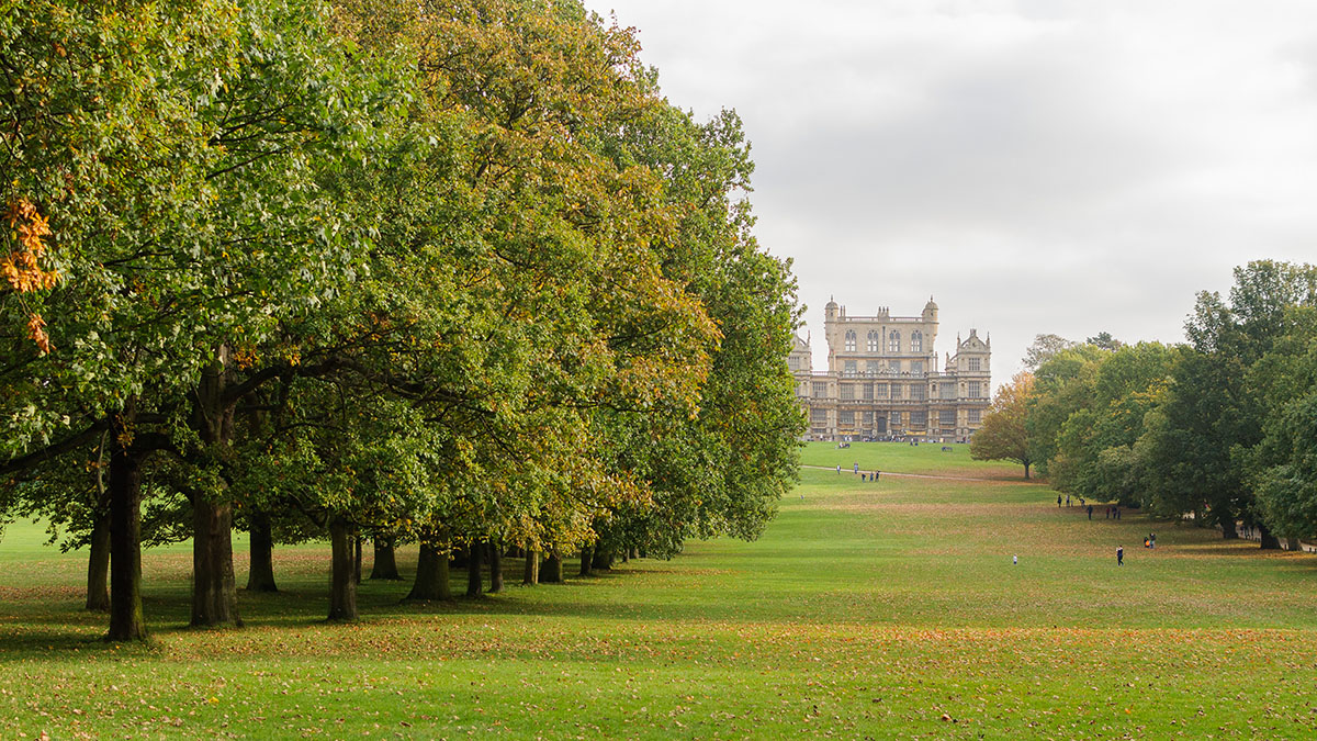 The grand welcome to Wollaton Hall in Nottingham