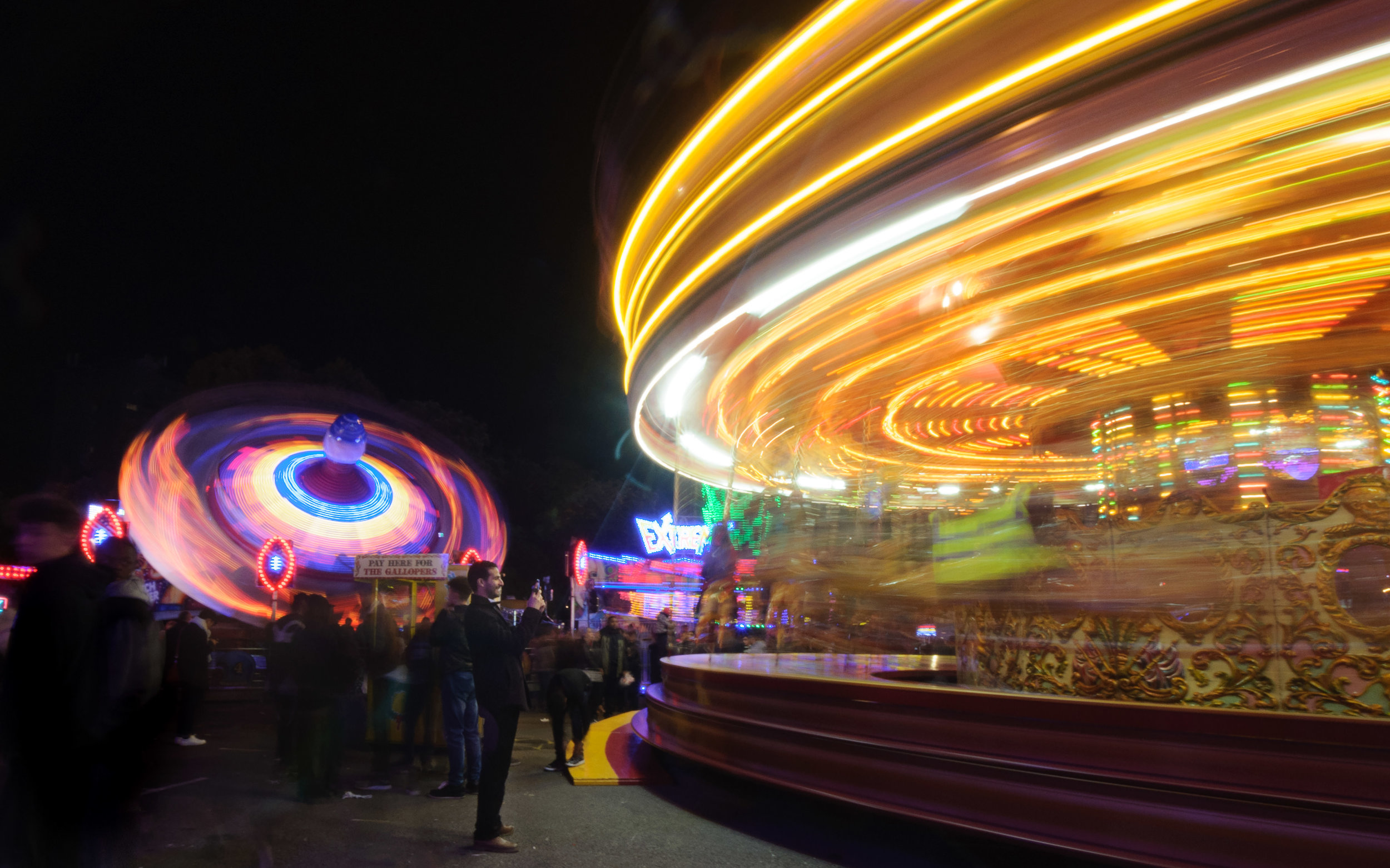 Nottingham's Goose fair always provides amazing spectacles - we LOVE the colours and the lights!