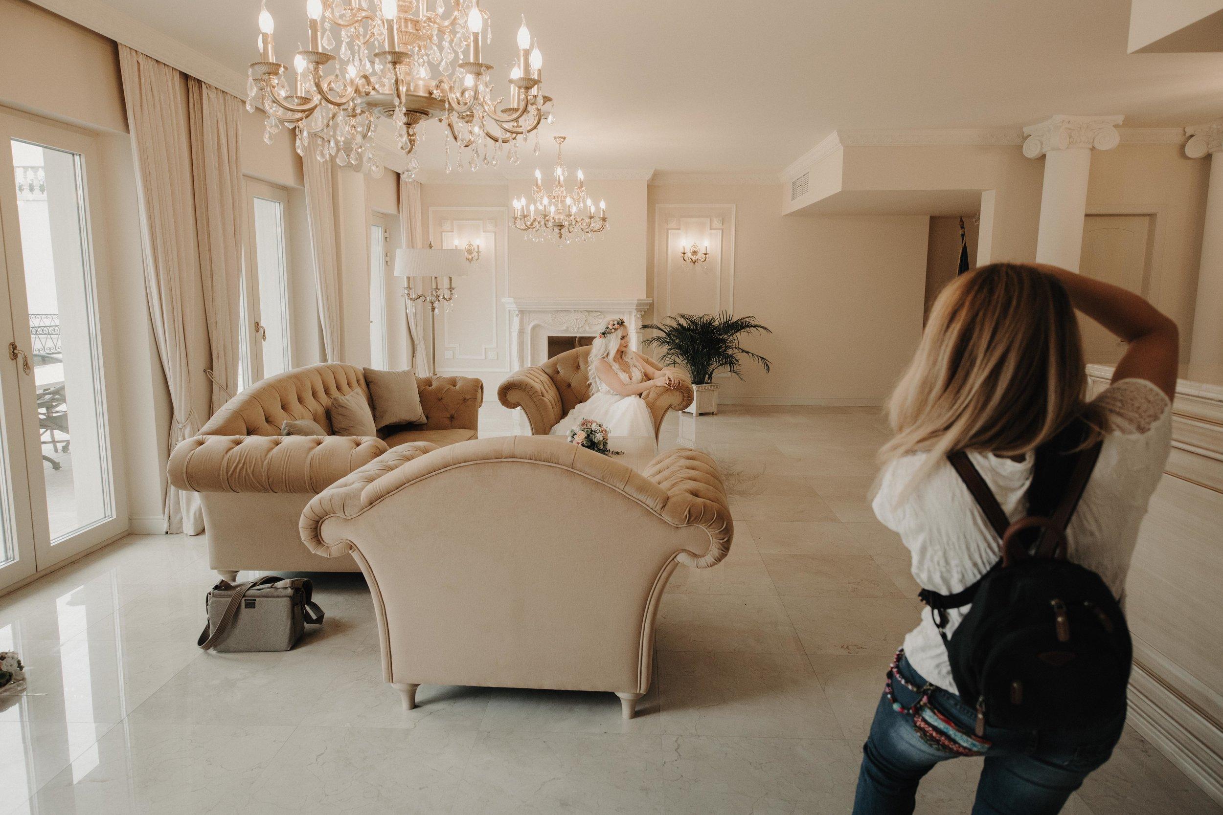 Locatii diferite - Fiecare client are o locatie de vis in care isi doreste sa realizeze sedinta dupa nunta, suntem disponibili si pentru deplasari.