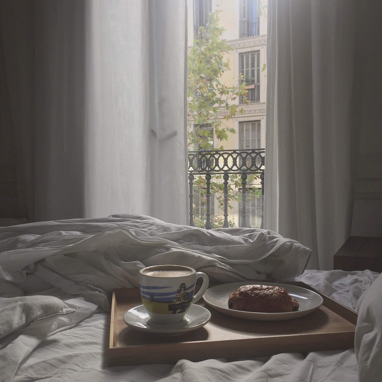 breakfast in bed .JPG