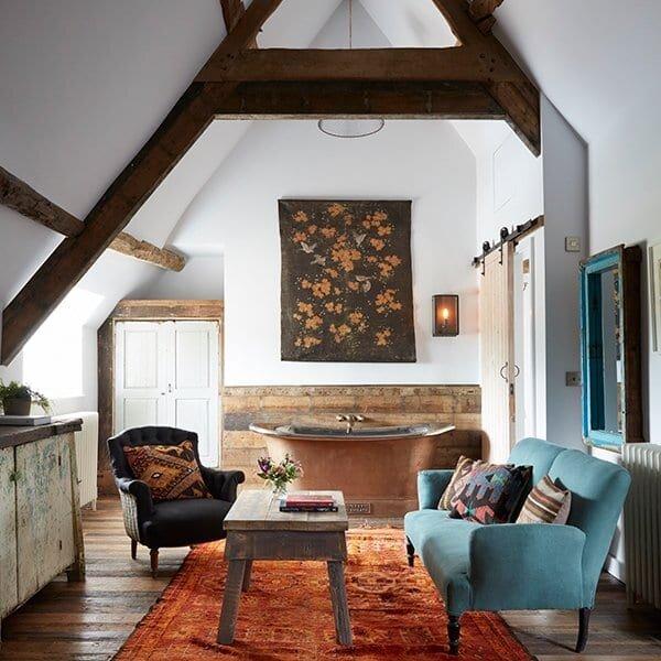Artist-Residence-Oxfordshire-Farmhouse-Suite.jpg