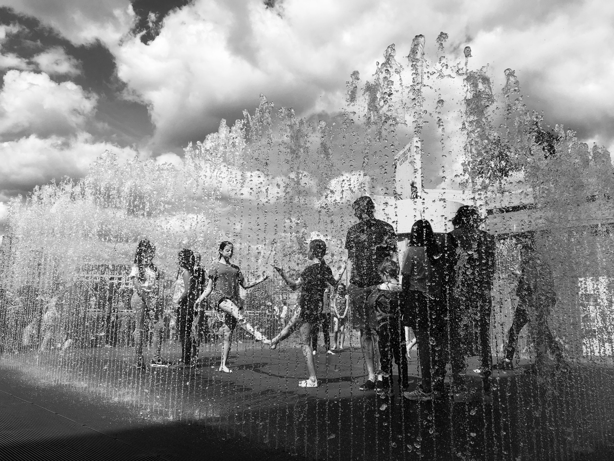 Disappearing Rooms (Jeppe Hein), South Bank, London, 2017.   (c) B Yeoh