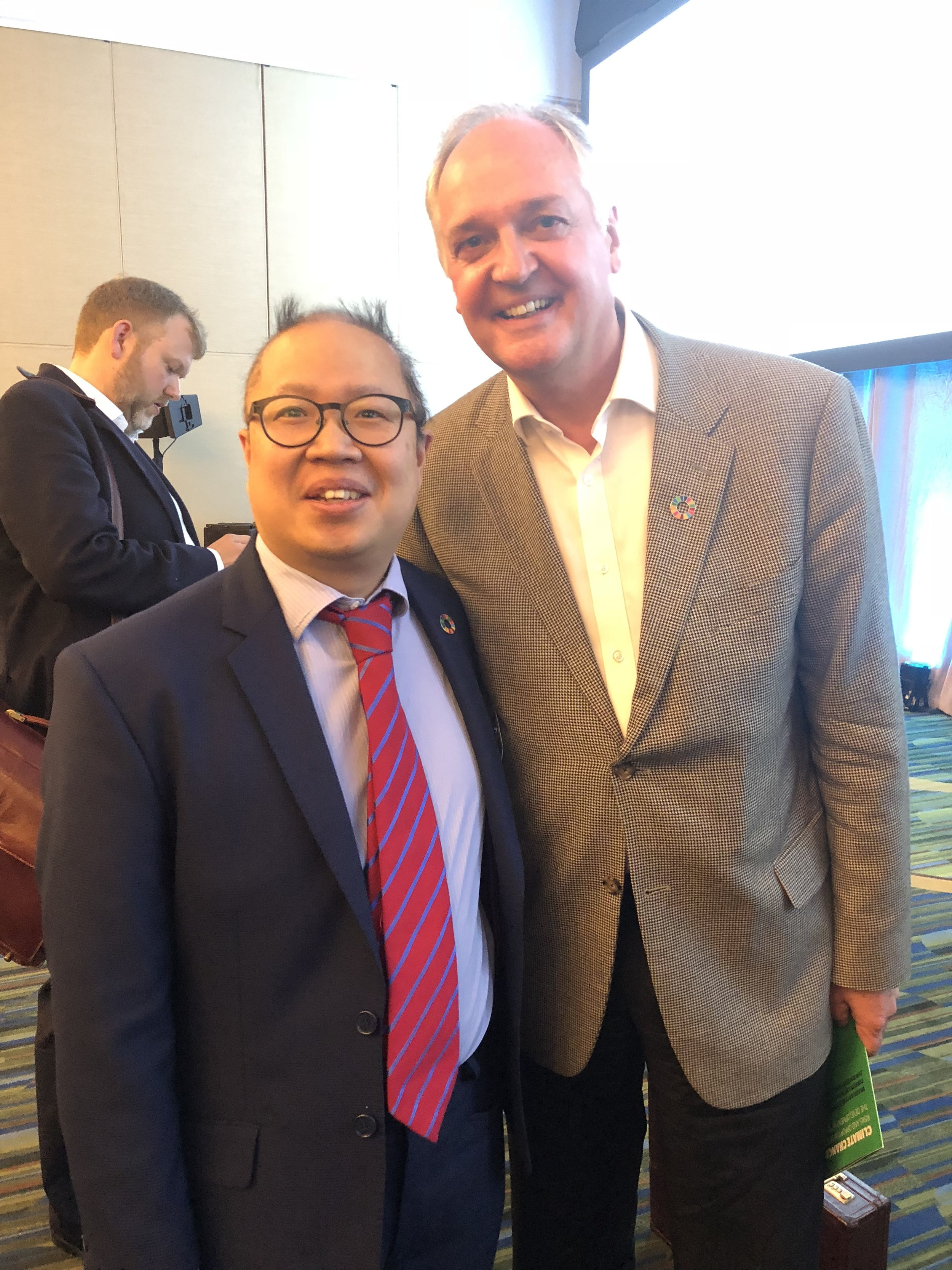 Selfie with Paul Polman, (C) B Yeoh