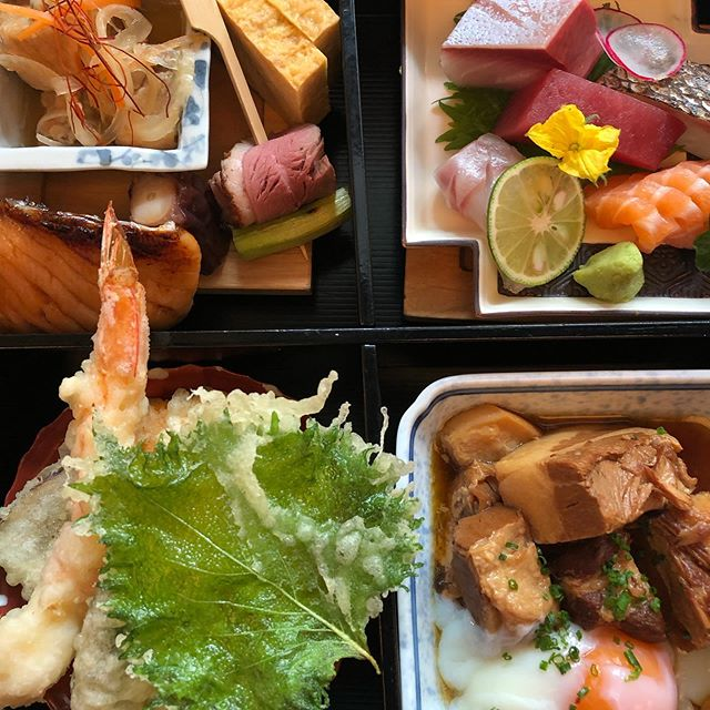 Yen London  @yenrestaurant are currently missing a soba chef but the lunch bento box pretty tasty.  Anything with soft egg yolk does it for me. Sashimi and delicate tempura and fatty pork.  Yum.  #Food #Foodie #Foodporn #Nom #Instafood #Japanese #Bento  #Restaurant #London