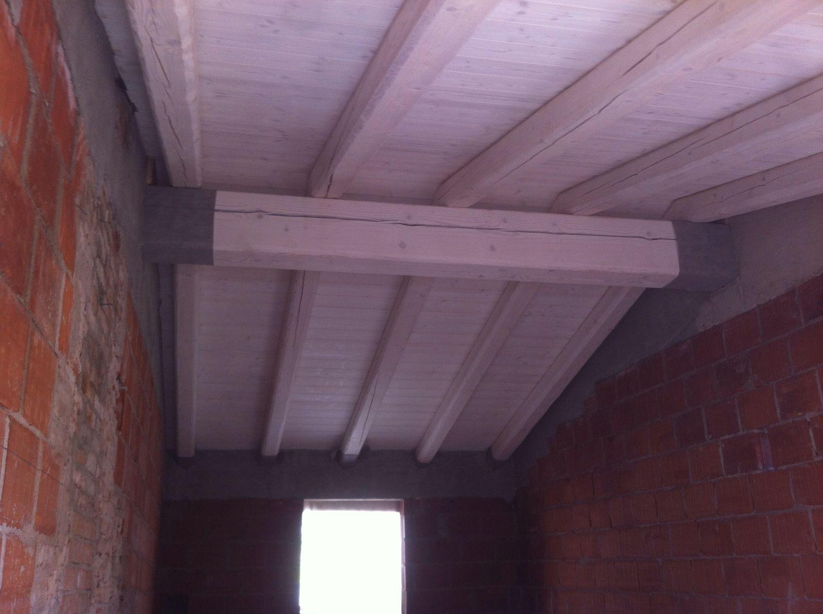 La struttura in legno della nuova copertura