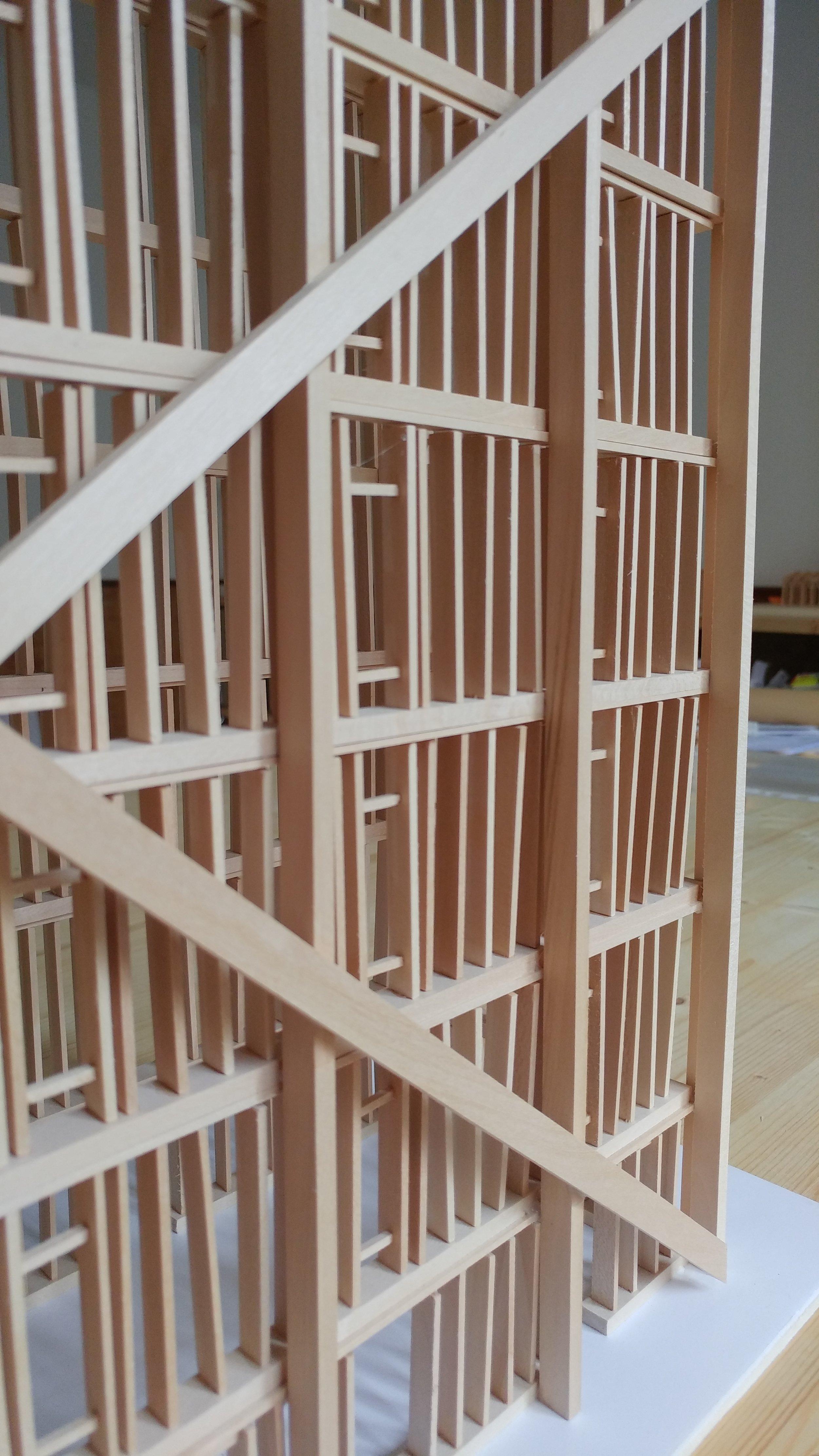 Dettaglio della struttura a telaio diffusa della pareti in balle di paglia