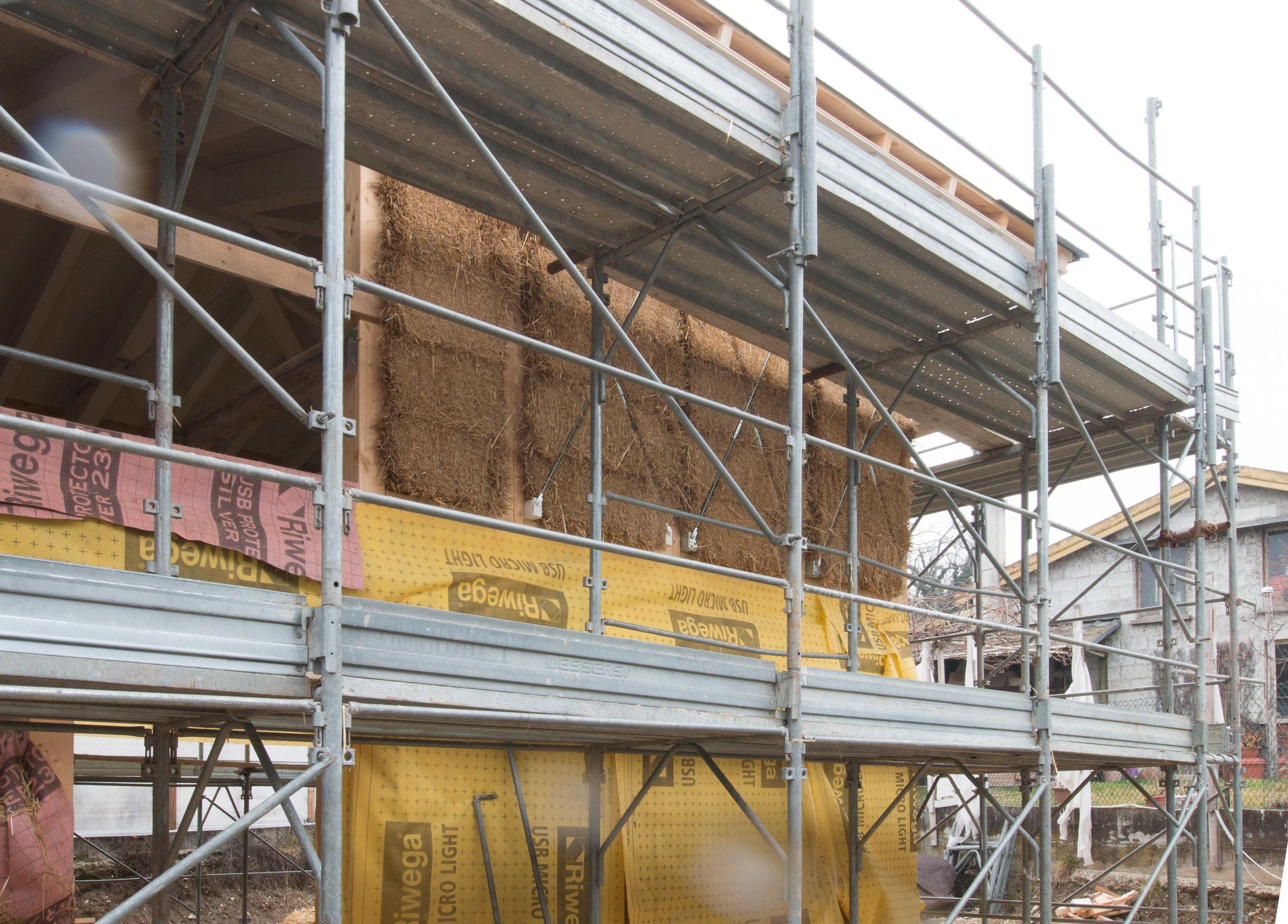 I muri in paglia con struttura in legno