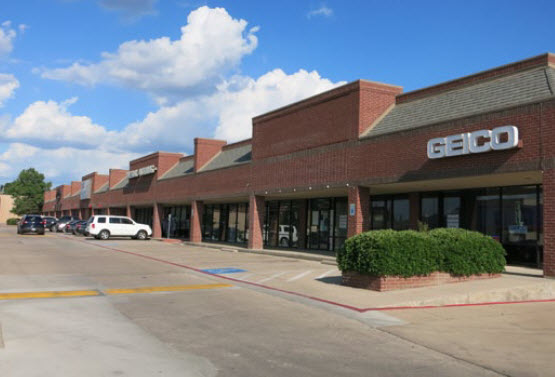 Courtside Plaza Shopping Center, Arlington, Texas SOLD - 2016