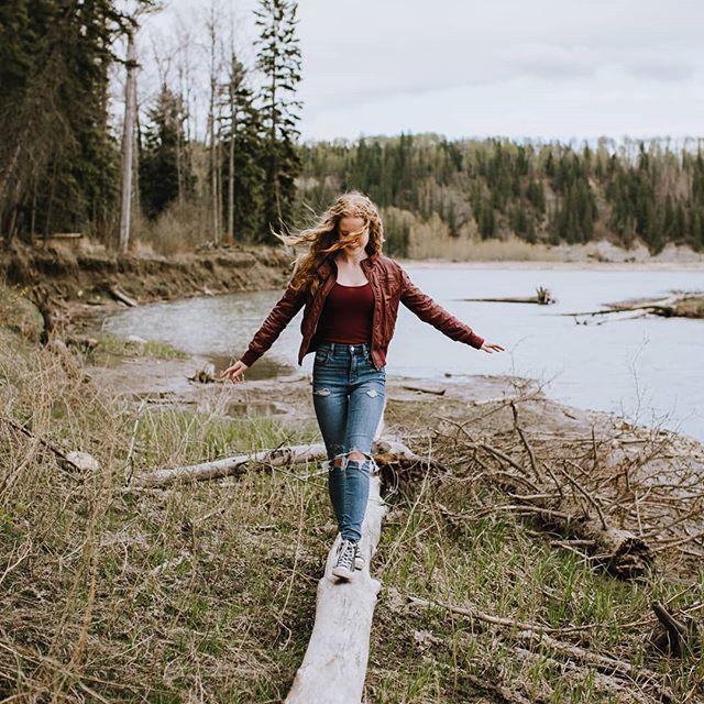 Julianna, sweet sixteen. . . . . #rockymountainhousephotograher, #sweetsixteen, #reddeerphotographer, #unraveled, #embracetheedge, #portraits