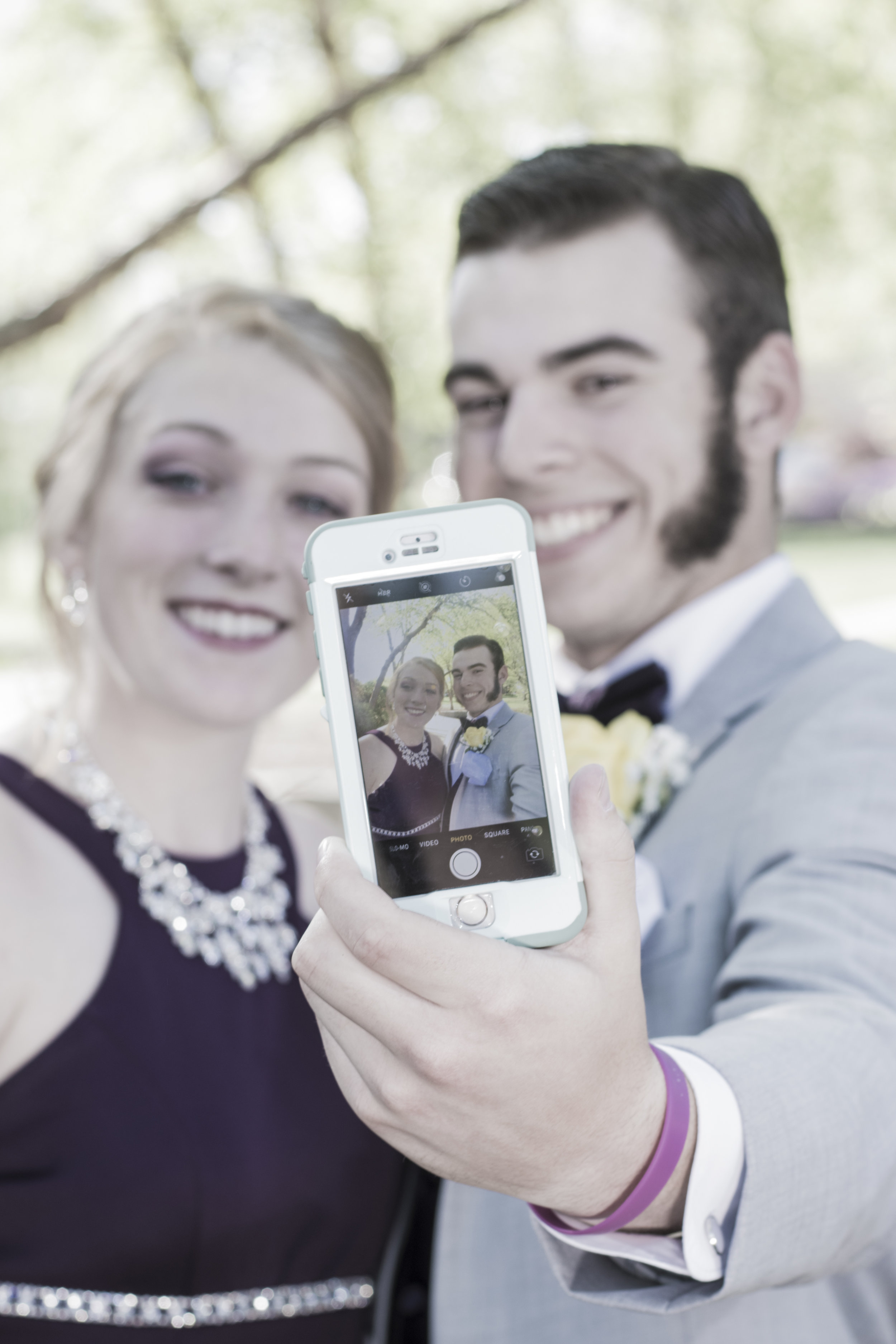 ethan-and-ally-prom-106-of-113_28061456048_o.jpg