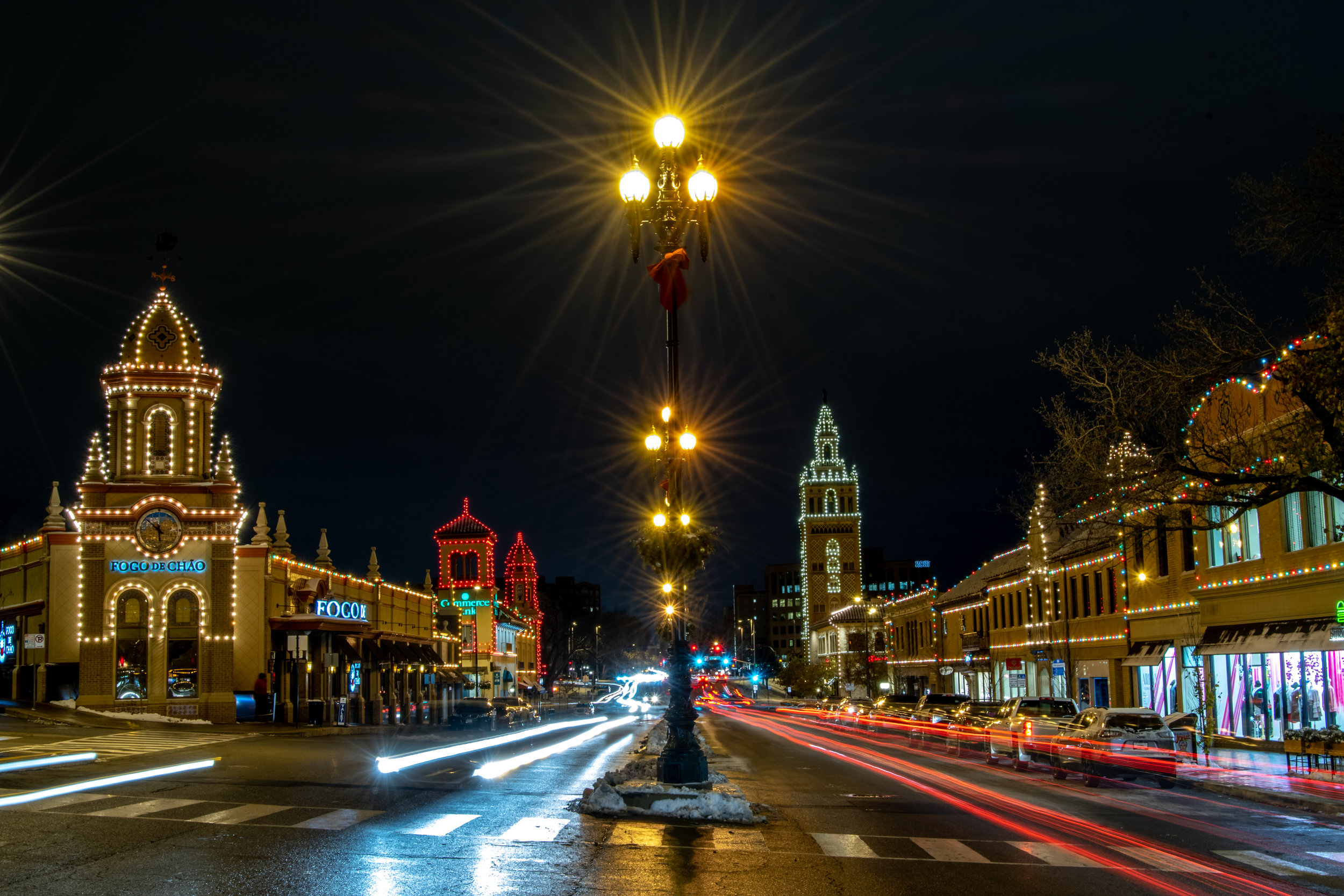 christmas-in-kansas-city-55-of-70_31136088957_o.jpg