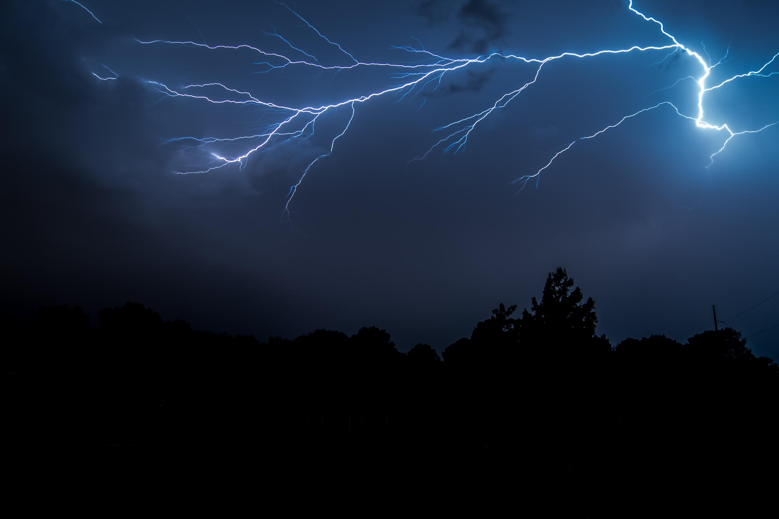 lightning (1 of 1)-3.jpg