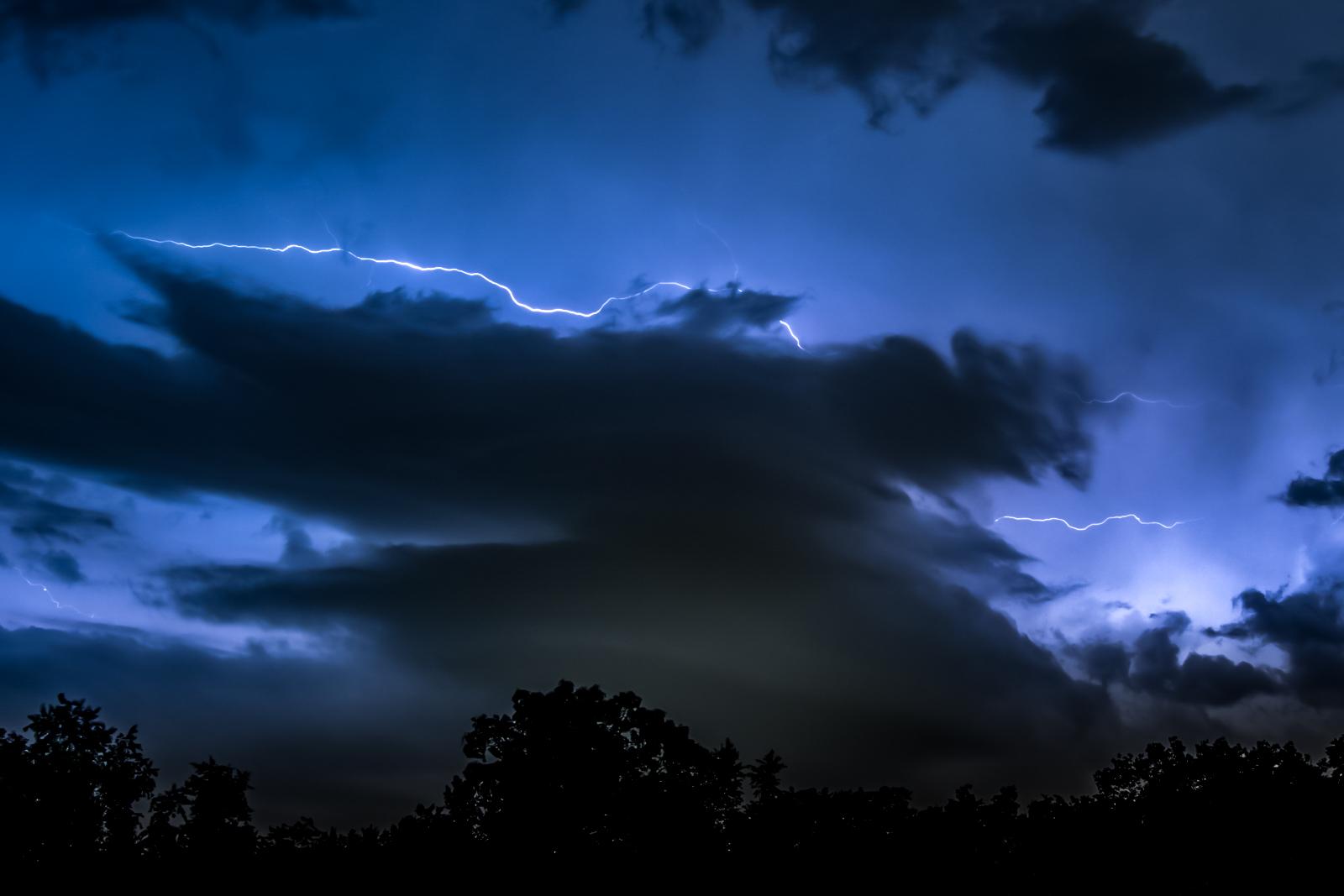lightning (1 of 1)-4.jpg