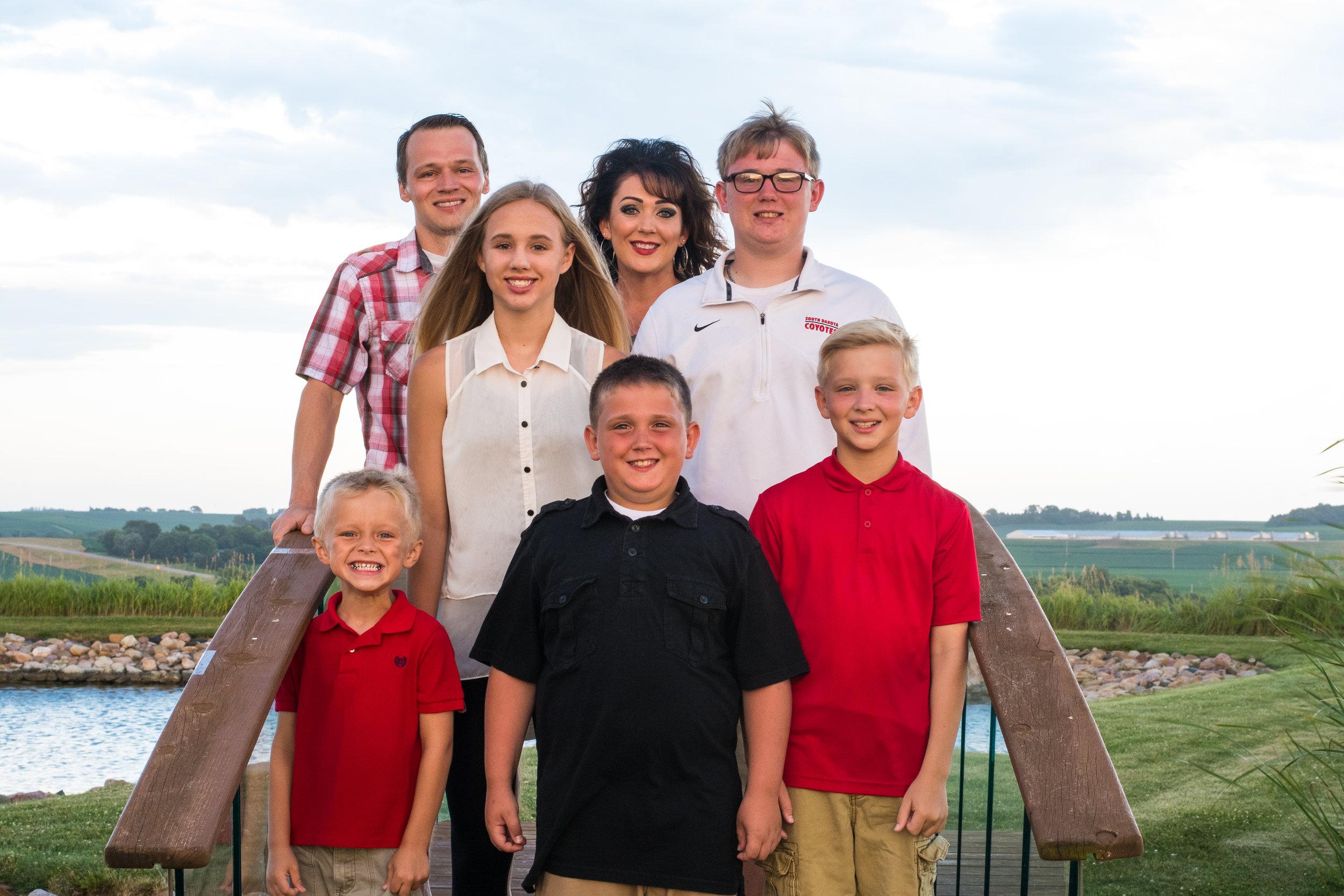 Hinckley Harlan Family Portraits 2019 (36 of 68).jpg