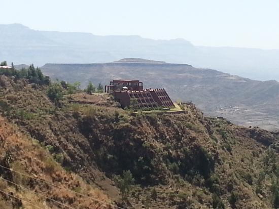 mountain-view-hotel (1).jpg