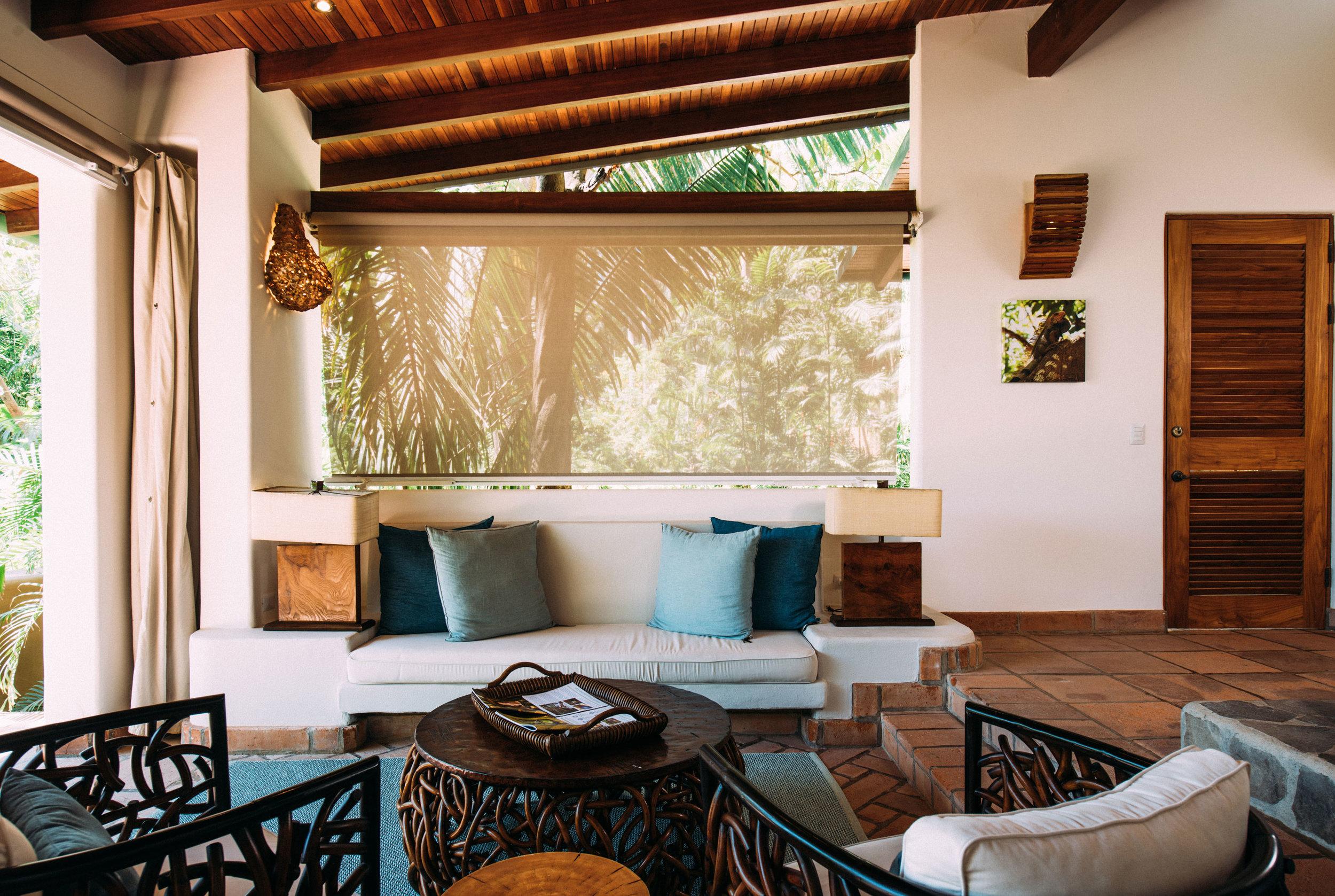 villa-interior-details-closeup-florblanca.jpg