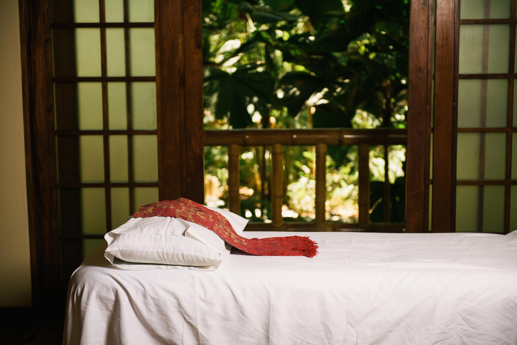 spa-bambu-florblanca-massage.jpg