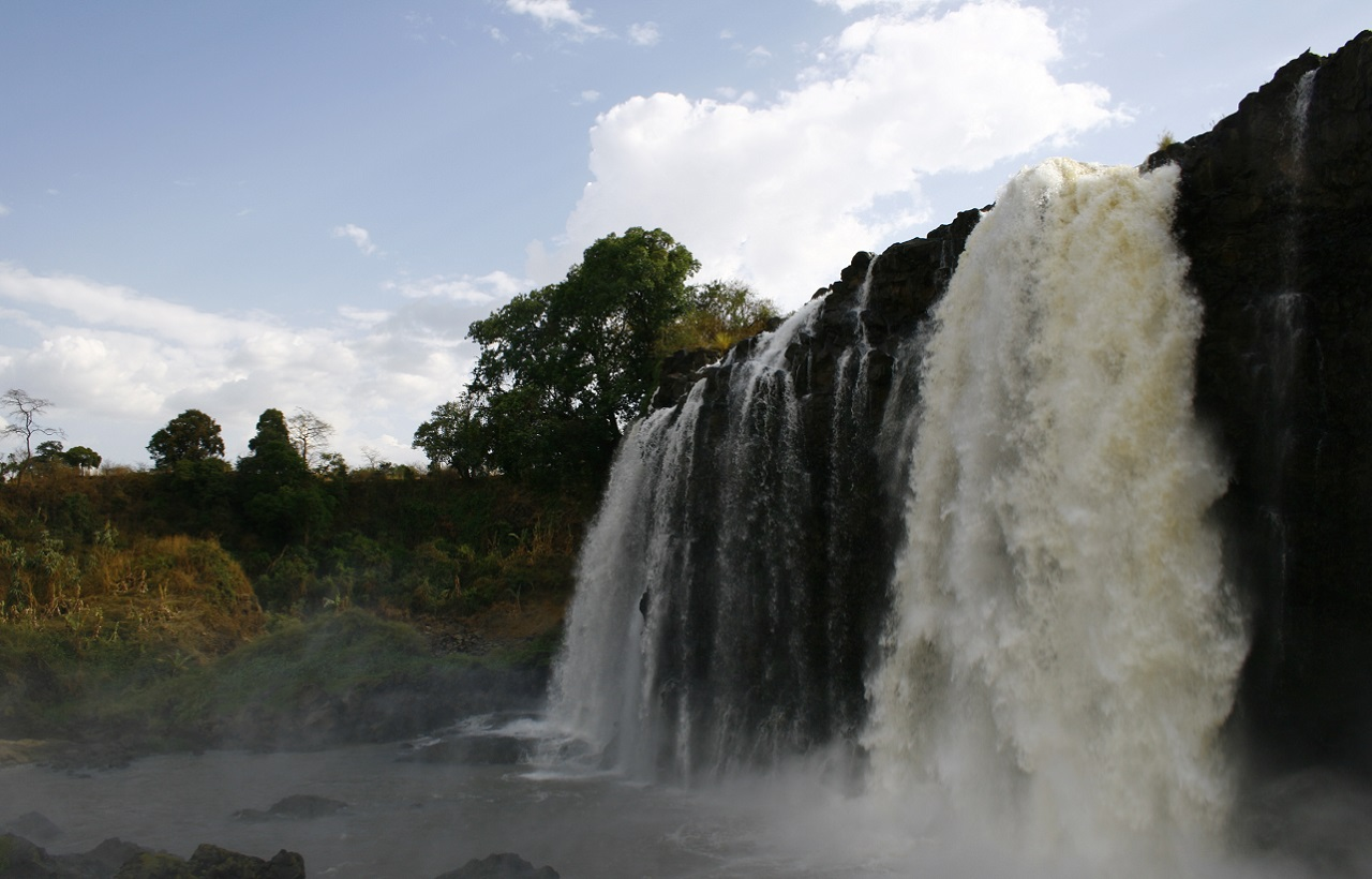 Meals: B   L    Flights: Addis to Bahir Dar (1 hr)