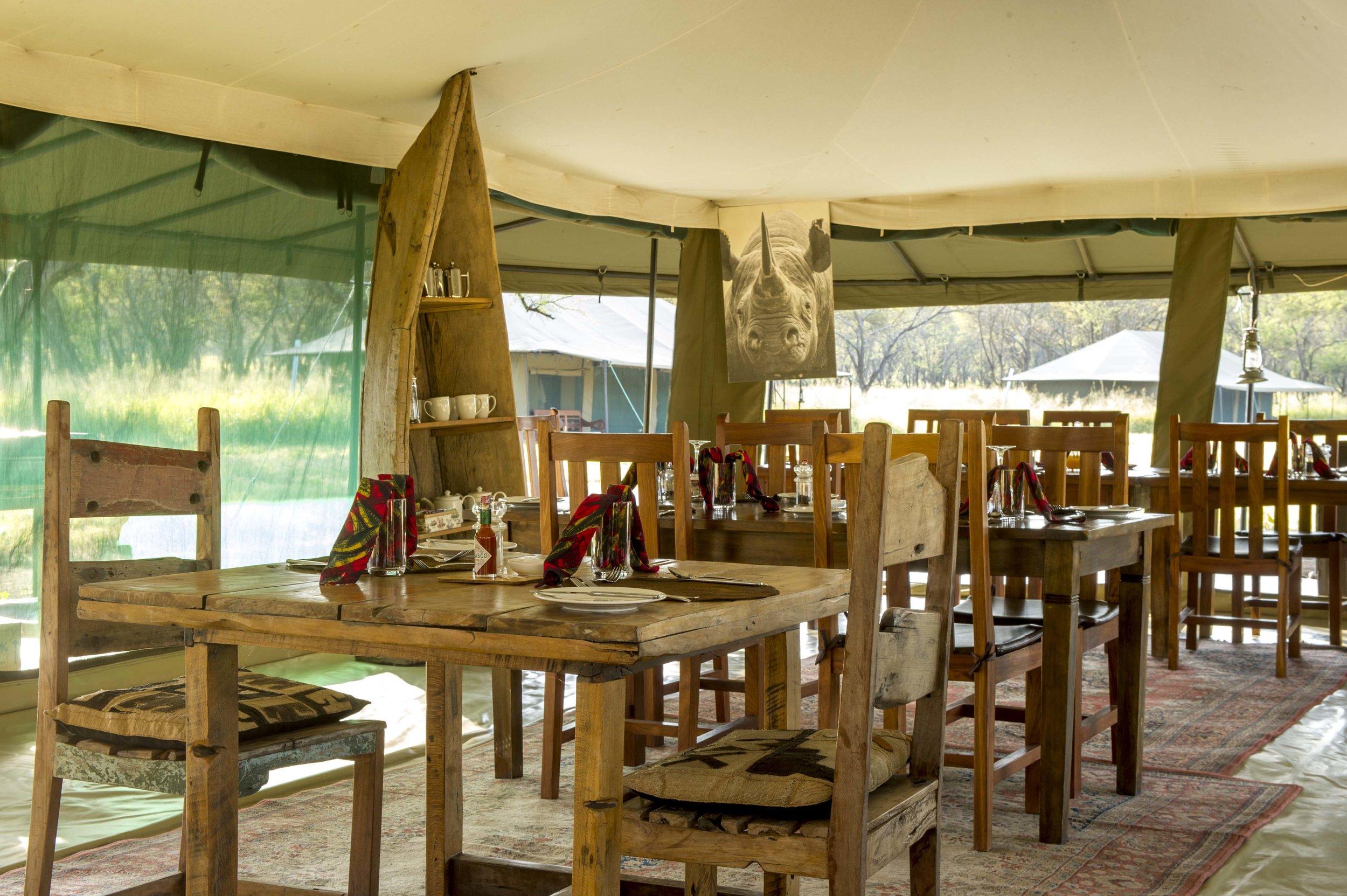 Dinning room interior.jpg