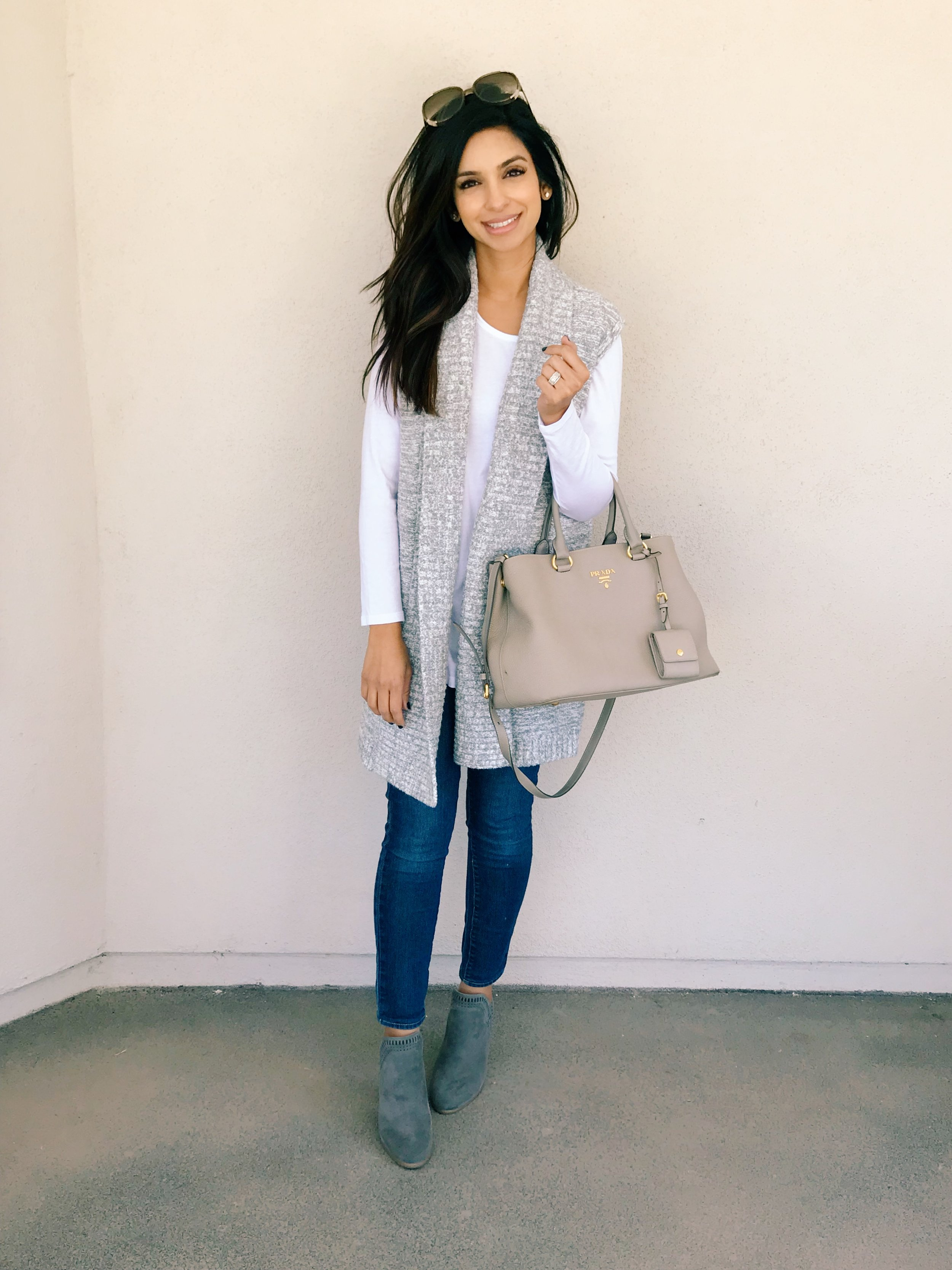 Why this tee is a closet staple - And all the reasons why I love it!