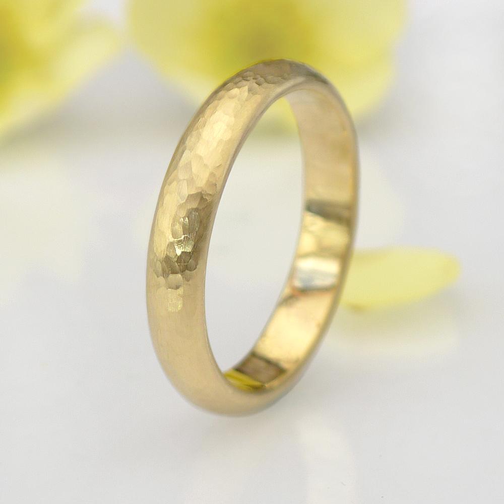 recycled-gold-mens-wedding-ring.jpg