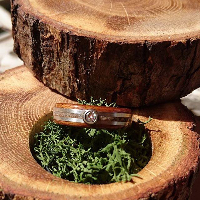 eco-wood-wedding-ring