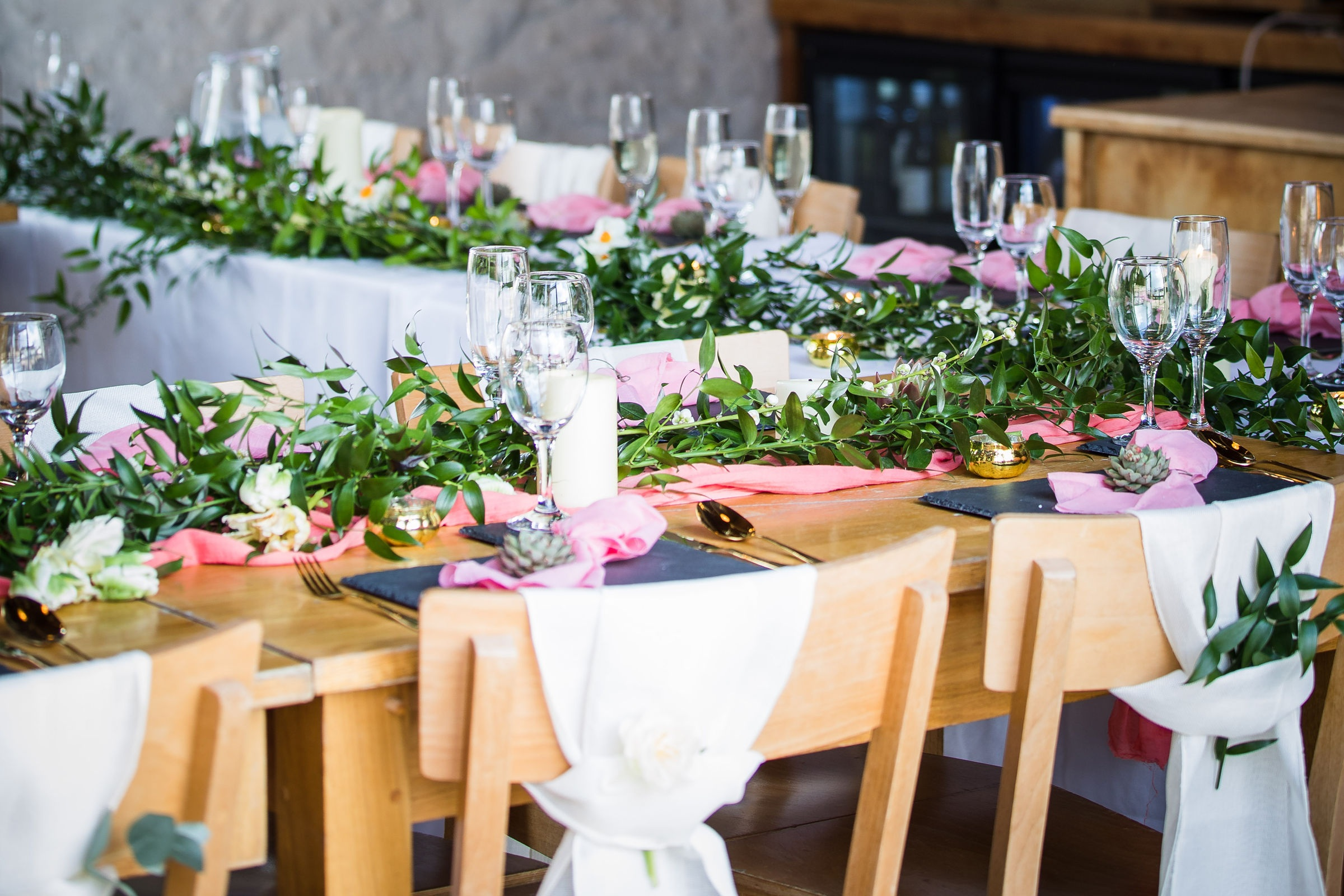 Our tips - We love the use of metallics against simple greenery decor. If you are using greenery as a main feature we recommend using metallics on your tables to give a luxury feel and bring colour in with your napkins or favours.