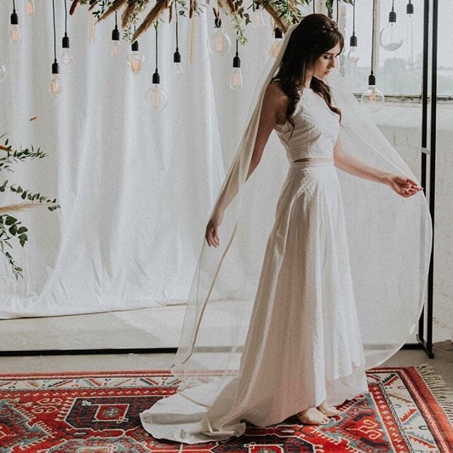 When nylon is made it produces a green house gas 300 times more harmful than co2! That's what I created this lovely organic peace silk chiffon veil. It can be long or short and trimmed in naturally dyed silk or vintage lace. @beehivestudiomcr⠀ @d.ellawynn⠀ @naylorjason⠀ @shindigeventstyl⠀ @typicaltypeuk⠀ @hannahelizabethflowers⠀ @theconsciousbride⠀ @stephanieswainmua. @mfarrisphoto #consciousbride #ecobride #ethicalwedding #ethicalbride #indiebride #shopethicalinstead #naturalbride #ecowedding #coolbride #stylishbride #modernbride #bridetobe #greenwedding #shopsmall #madeinbritain #handmadewithlove #bohobride #bohemianwedding #ethicalfashion #ecoweddinginspiration #bridesmaids #sustainablefashion #sustainablebride #sustainablewedding #ecowedding #indiewedding #naturalbride #naturalwedding