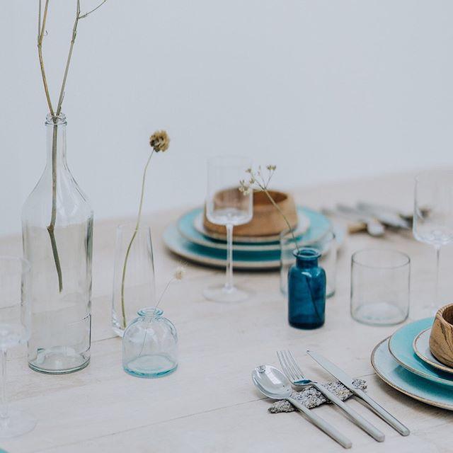 I'm loving natural displays for tables and food at the moment. Hiring Crockery and cutlery are the best eco and style way to go. Visit @potkettlewhite or @enamelwareevents for stylish hire. #consciousbride #ecobride #ethicalwedding #ethicalbride #indiebride #shopethicalinstead #naturalbride #ecowedding #coolbride #stylishbride #modernbride #bridetobe #greenwedding #shopsmall #madeinbritain #handmadewithlove #bohobride #bohemianwedding #ethicalfashion #ecoweddinginspiration #bridesmaids #sustainablefashion #sustainablebride #sustainablewedding #ecowedding #indiewedding #naturalbride #naturalwedding