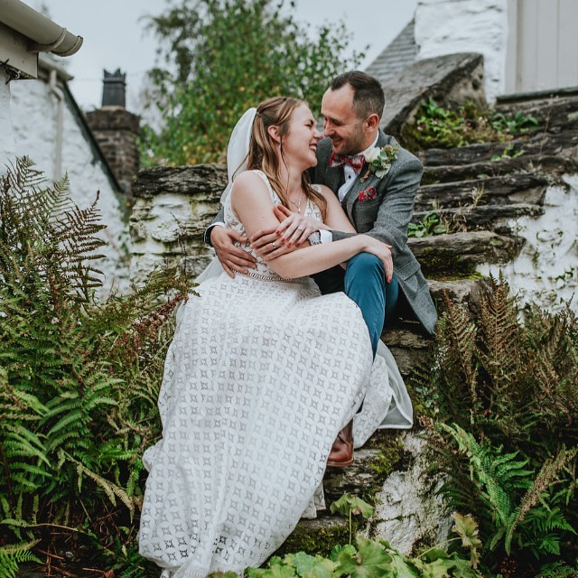I have recently been sent some beautiful images of gorgeous happy brides. It's so wonderful to get pictures back and see how you have been part of someone's special occasion. This is one of my latest brides wearing a #rembostyling dress from when the conscious bride was a boutique and we styled it with the meraki veil made by me trimmed with beautiful @lancasterandcornish silk ribbon. How happy they look 😍 @danielackerley is the photographer #coolbride #bridesupnorth #ethicalwedding #outsidebride #consciousbride #bohobride #indiebride