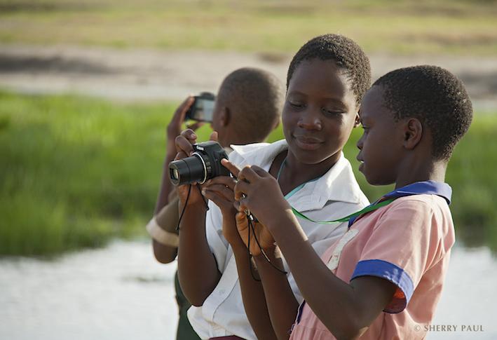 Kids taking photos 2.jpg