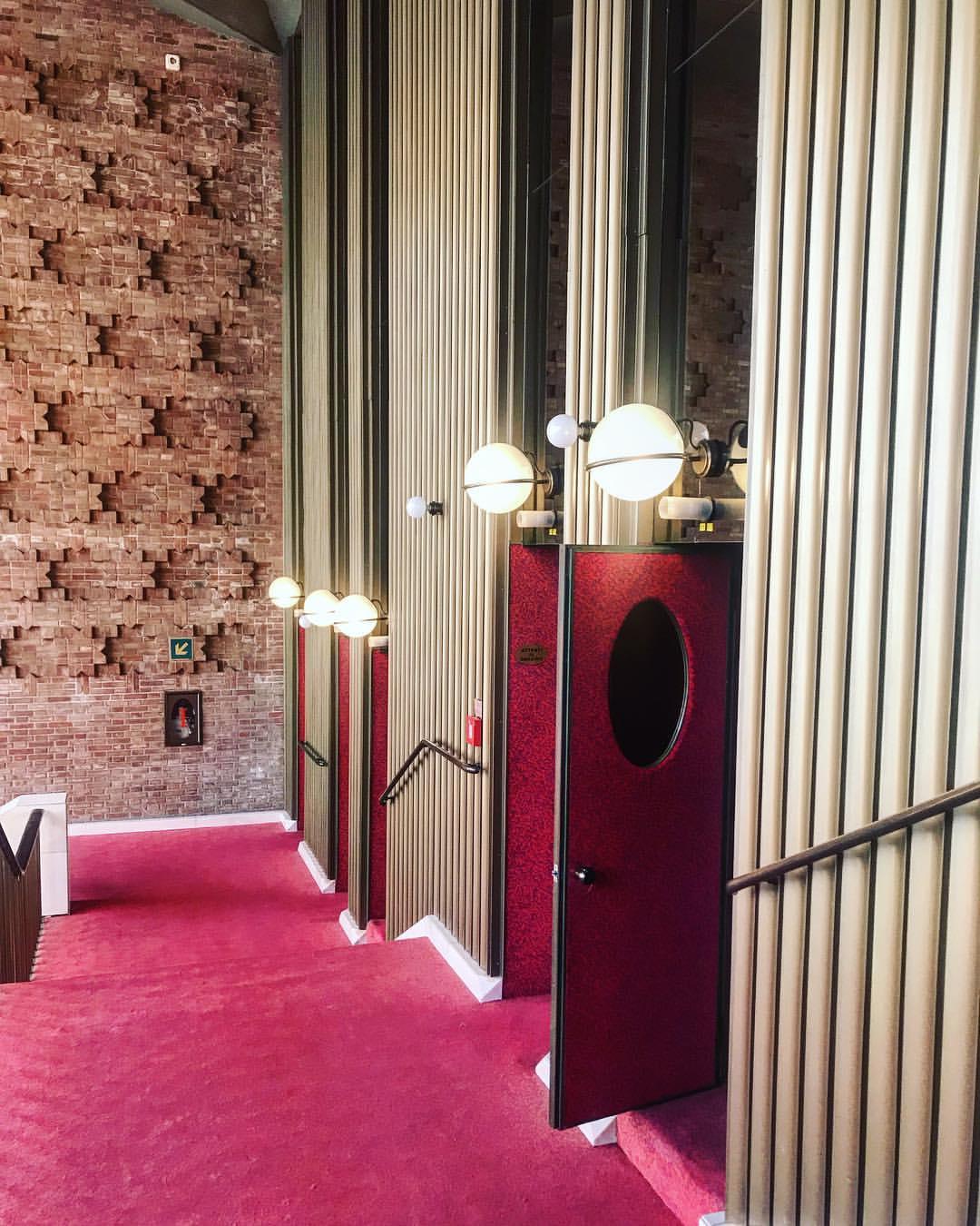 Gino-Sarfatti-Le-Sphere-Wall-Lamp.jpg