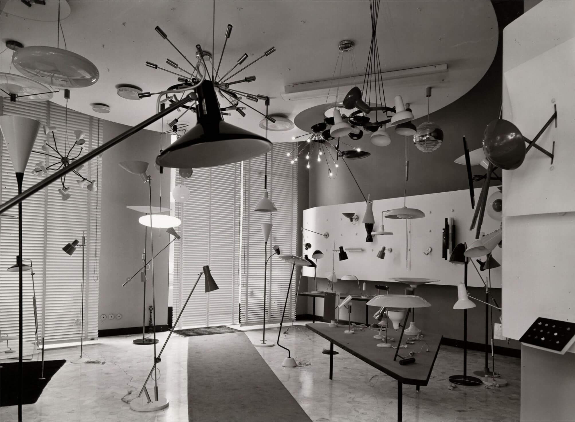 The Arteluce store on Corso Matteotti in Milan in 1963 Image Credit: Flos Archive