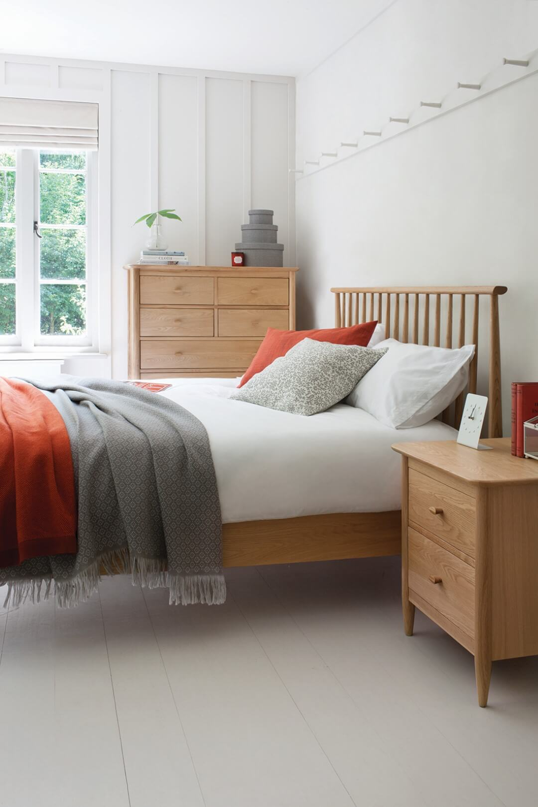 Good Form_Ercol_Teramo Bed, Drawers and Bedside Cabinet.jpg