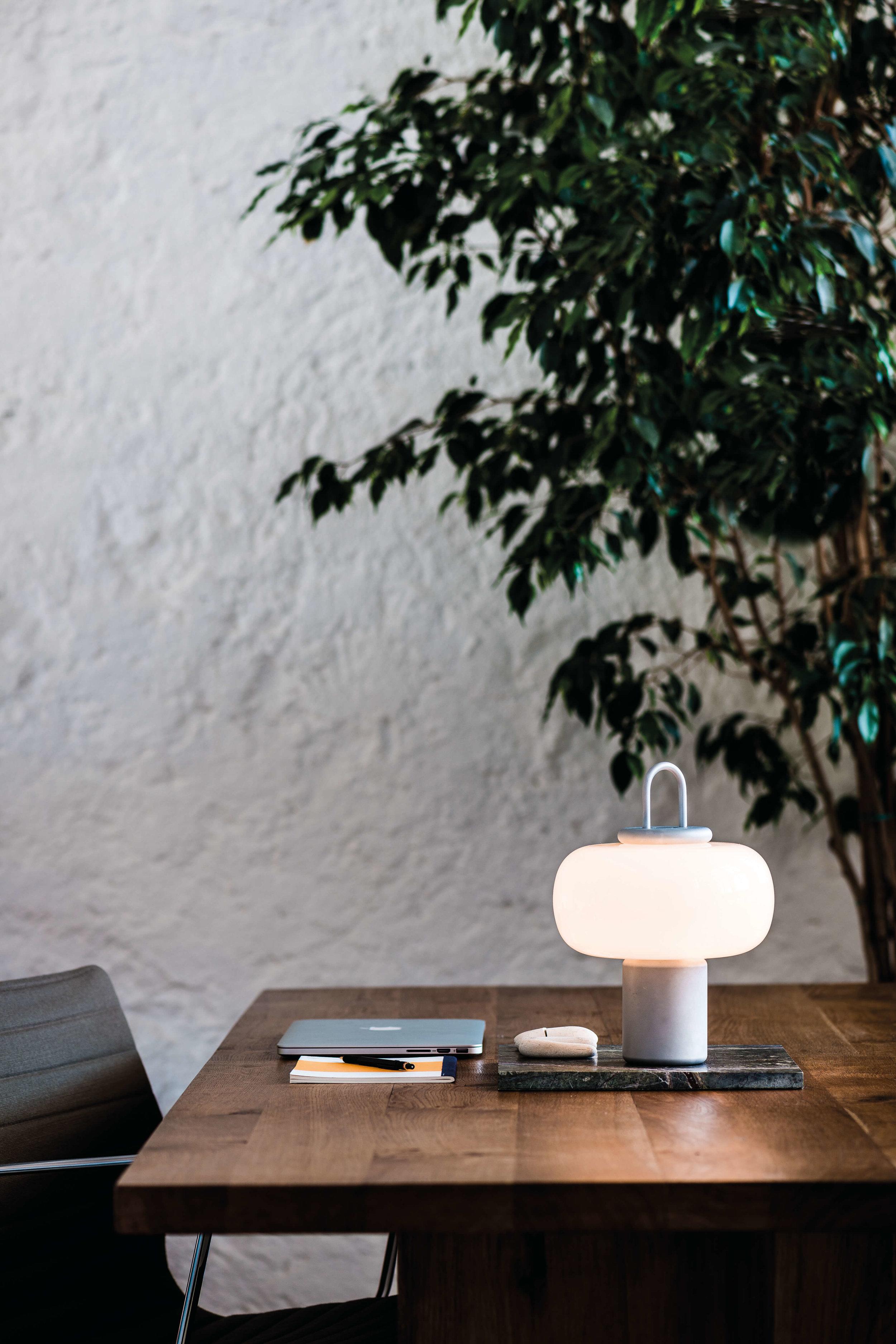 Astep 'Nox' Lamp