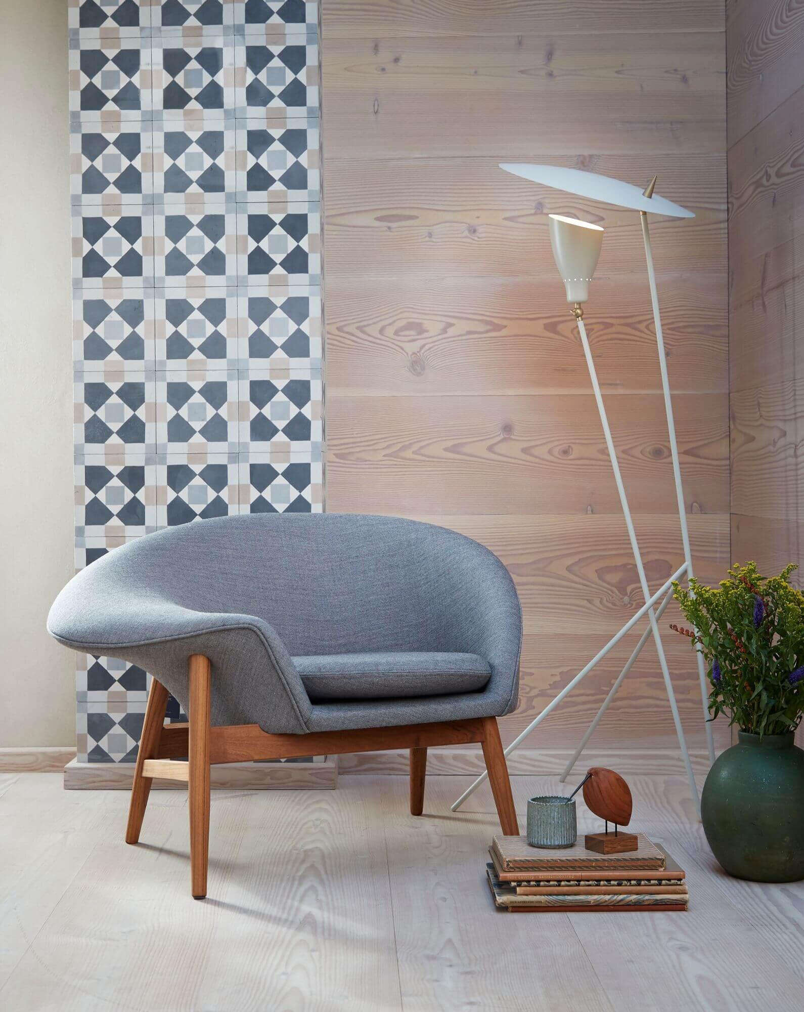 Featured: Fried Egg Chair, designed by Hans Olsen (1956). Silhouette Floor Lamp, designed by Svend Aage Holm-Sorensen (1956). Maker: Warm Nordic