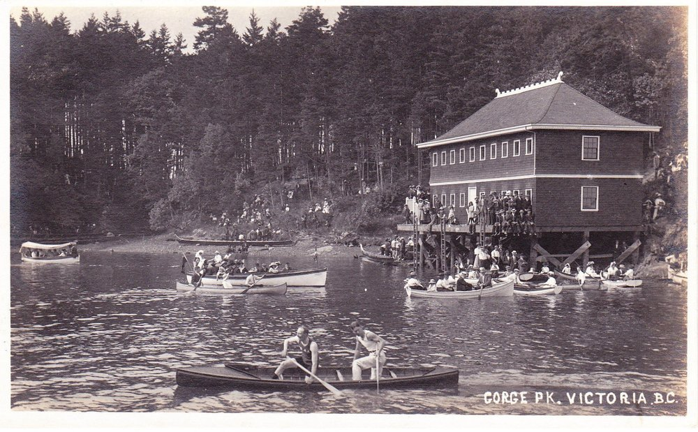 Bathing House, Gorge Park, c.1920: Click to enlarge