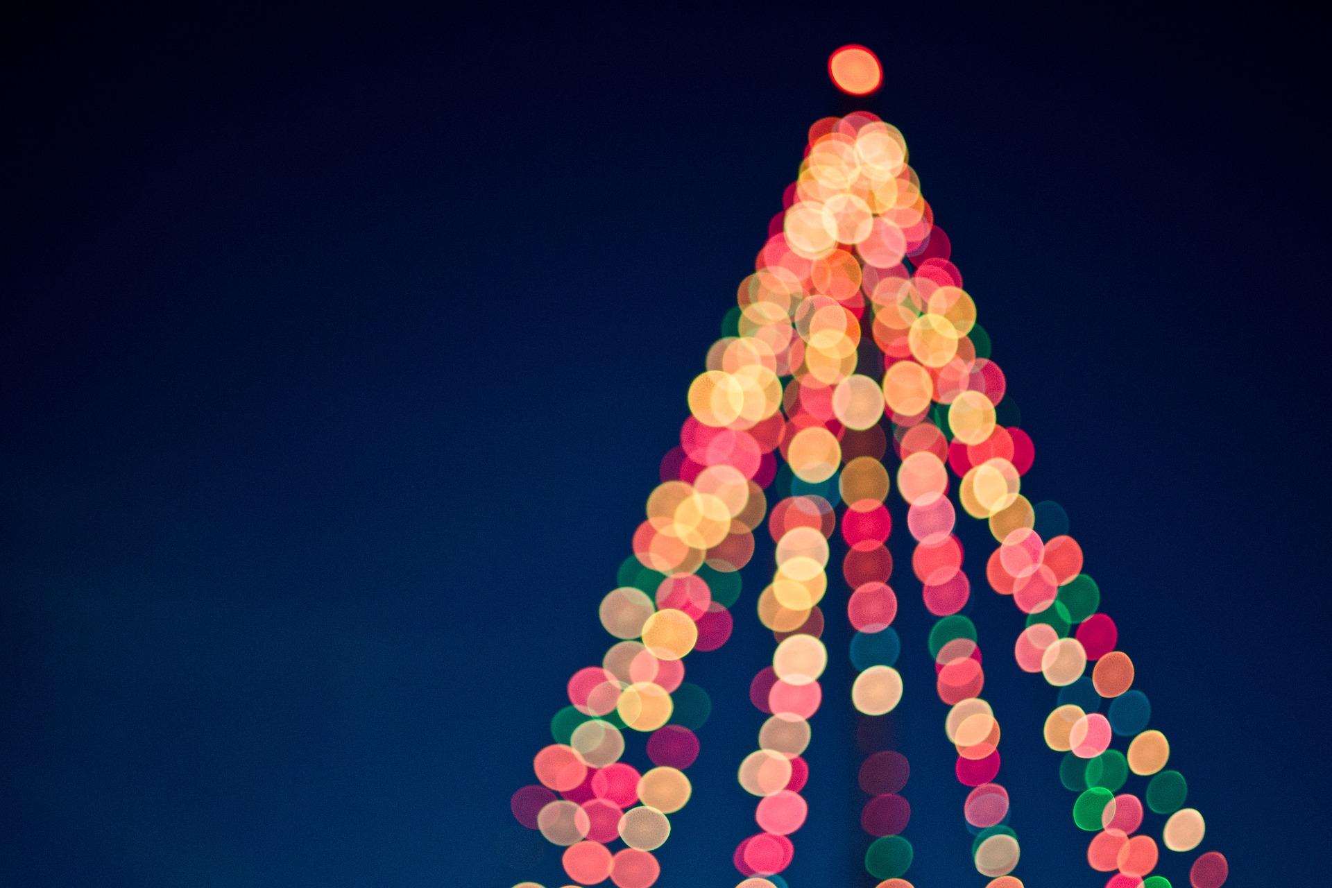 christmas-2598580_1920.jpg