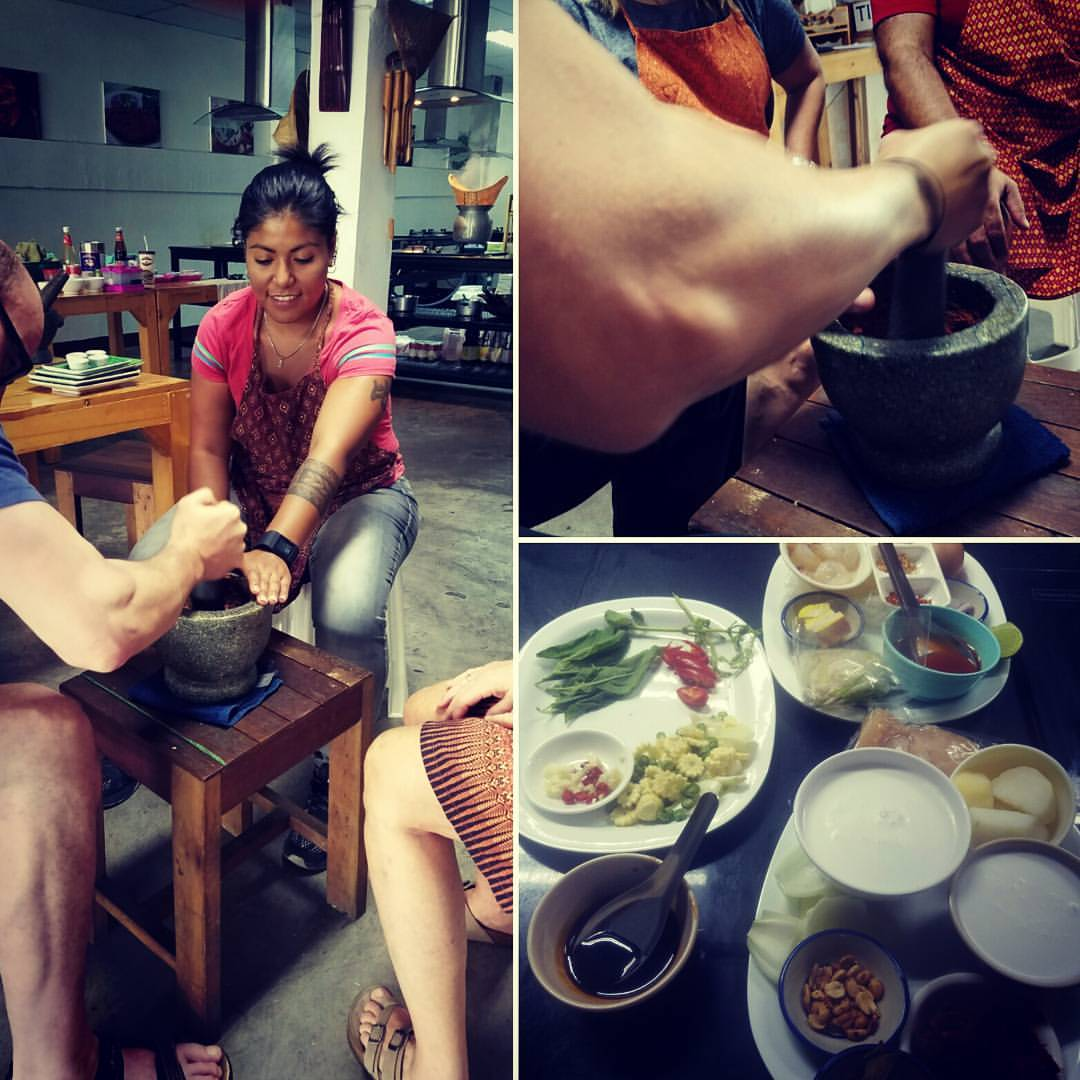 Thai cooking class, making curry paste from scratch