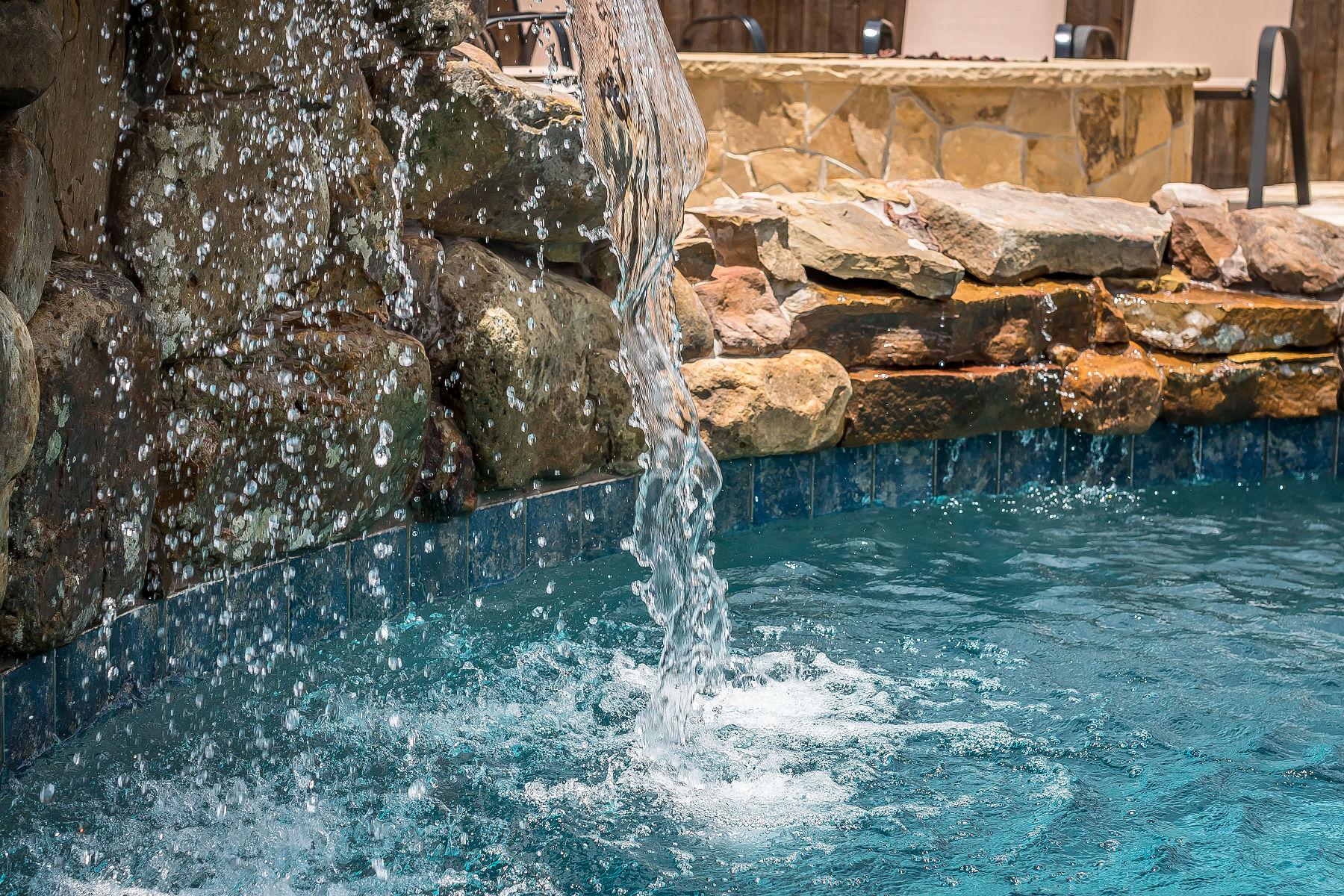 Riverbend Sandler Pools (3).jpg